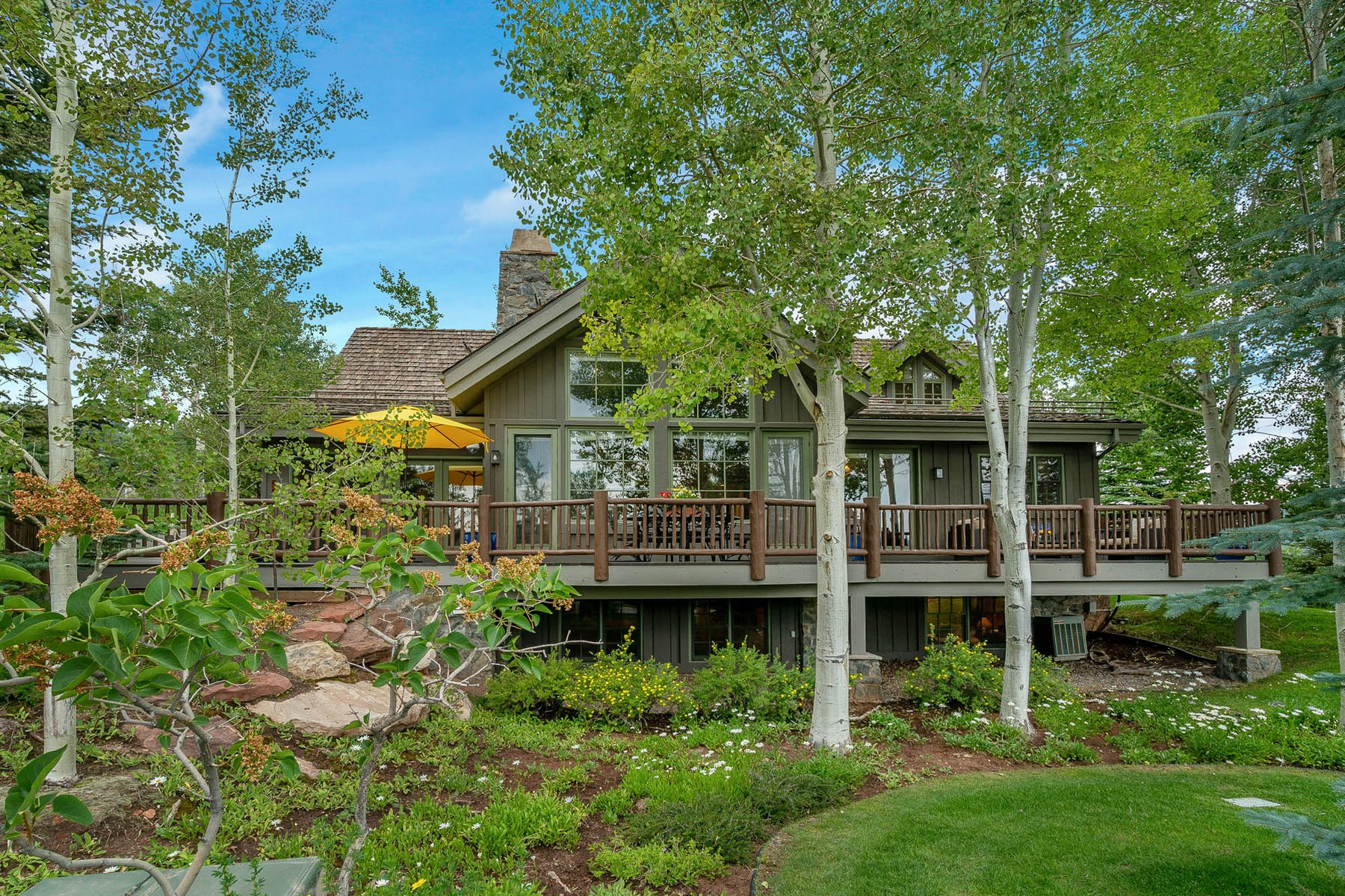Single Family Homes للـ Sale في Live and play in the Ranch at Cordillera neighborhood with the Mountain Golf Cou 49 Fairway Lane, Edwards, Colorado 81632 United States