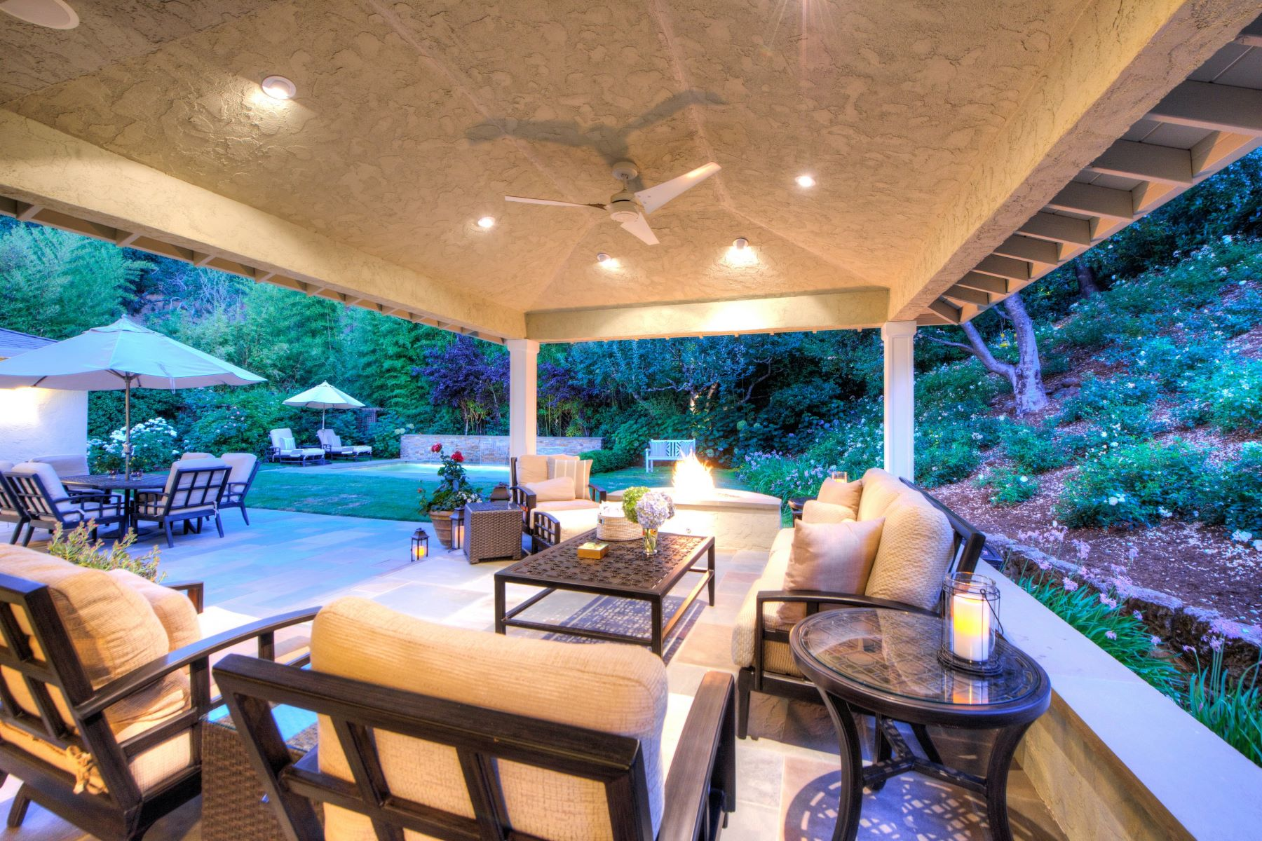Additional photo for property listing at Spectacular Executive Style Home in Marin Country Club 10 Bonnie Brae Drive Novato, California 94949 United States