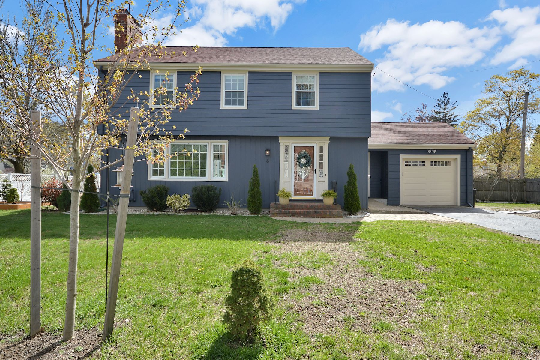 Single Family Home for Active at 6 Stowecroft Road 6 Stowecroft Melrose, Massachusetts 02176 United States