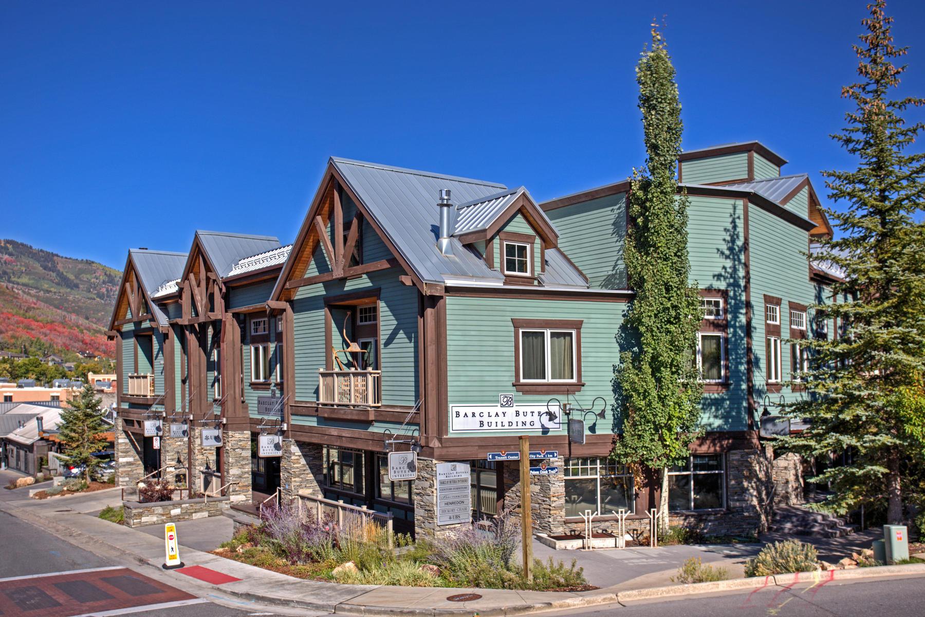 Additional photo for property listing at Historic Heber Avenue Loft, Impeccably Furnished Sanctuary 255 Heber Ave Unit #101 Park City, Utah 84060 United States