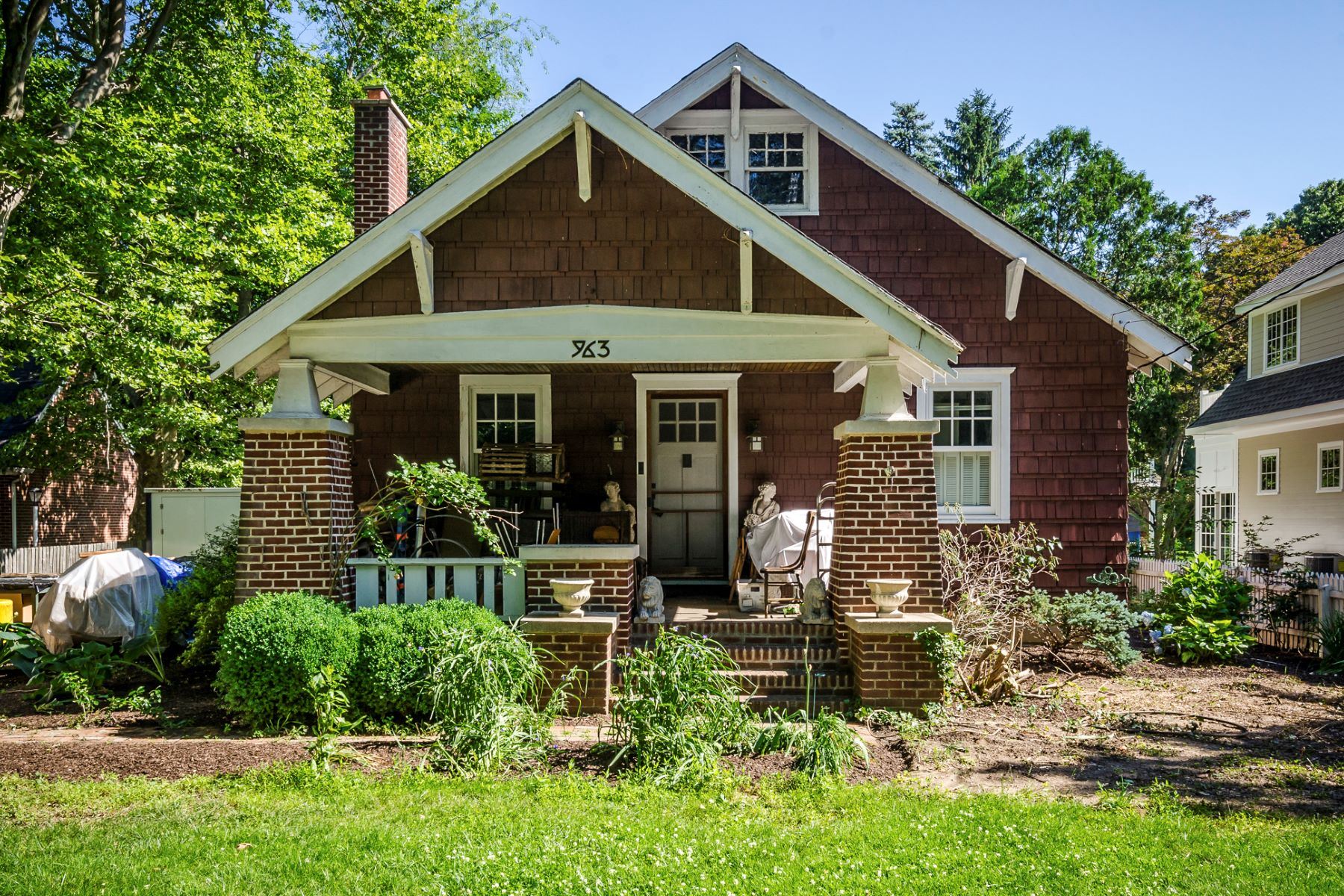 Single Family Homes for Sale at Classic Bungalow Is Ready for the Next Generation 963 Alexander Road, West Windsor, New Jersey 08550 United States