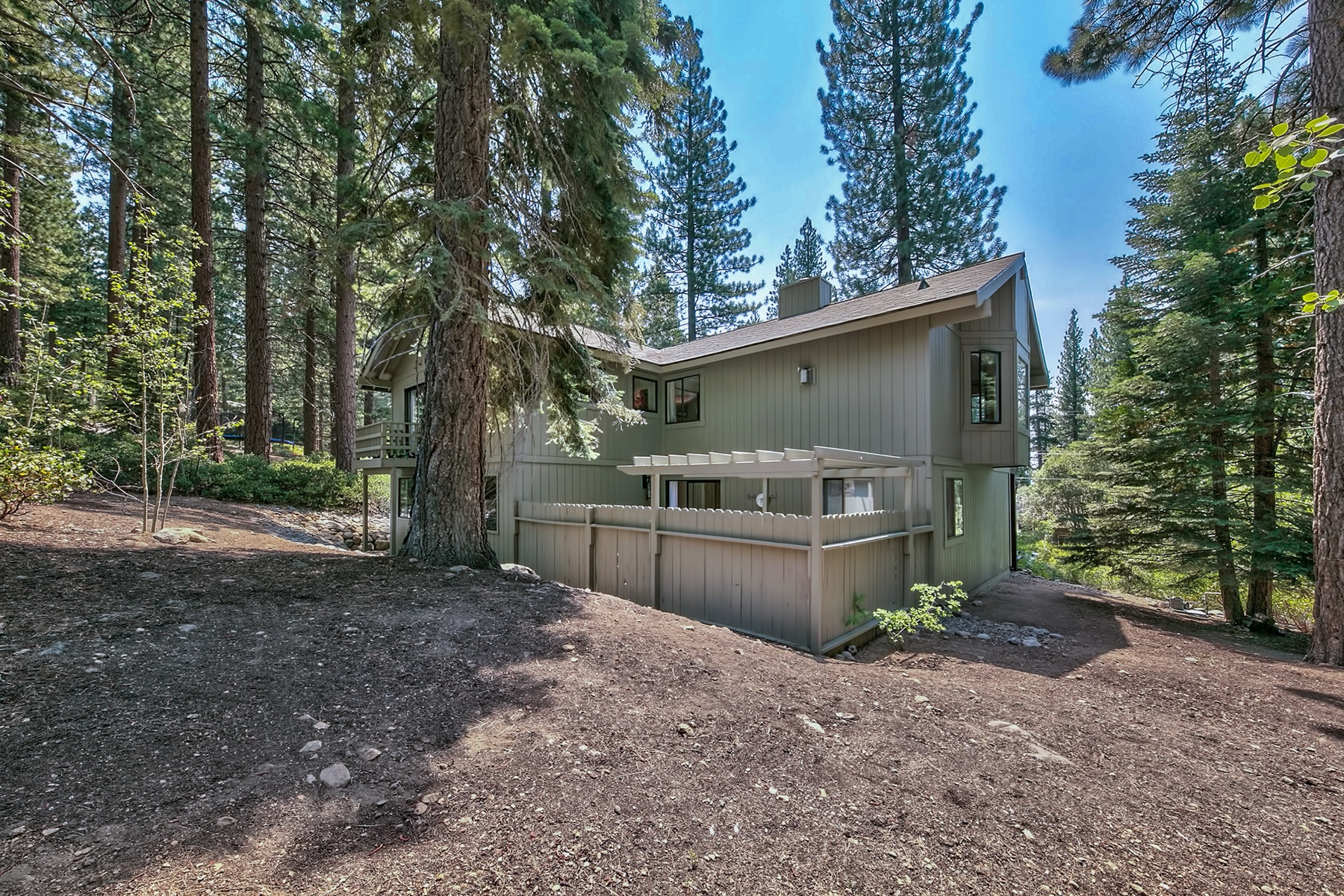 Additional photo for property listing at 584 Sugarpine Drive, Incline Village, Nevada  Incline Village, 内华达州 89451 美国