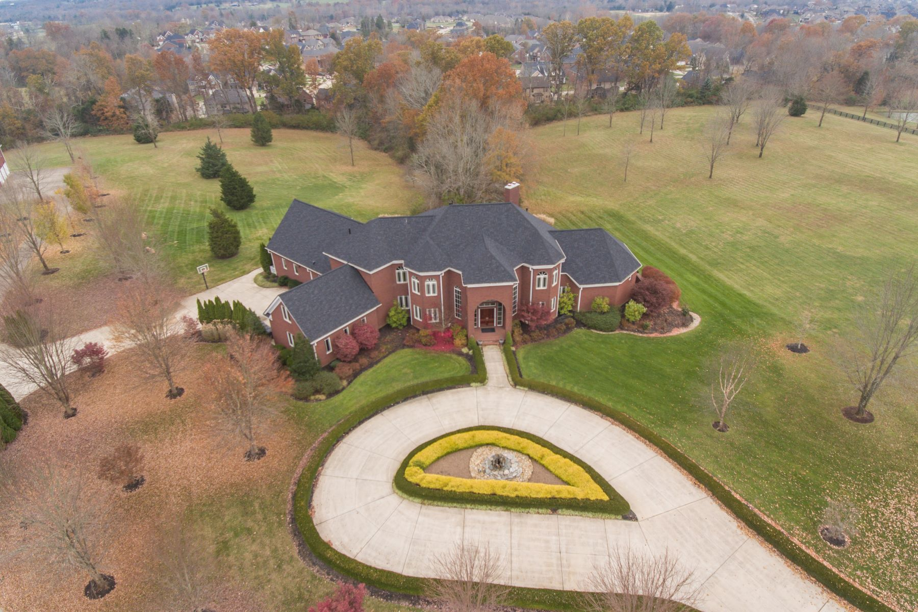 Single Family Home for Sale at 1010 Bridge Hill Court 1010 Bridge Hill Court Louisville, Kentucky 40245 United States