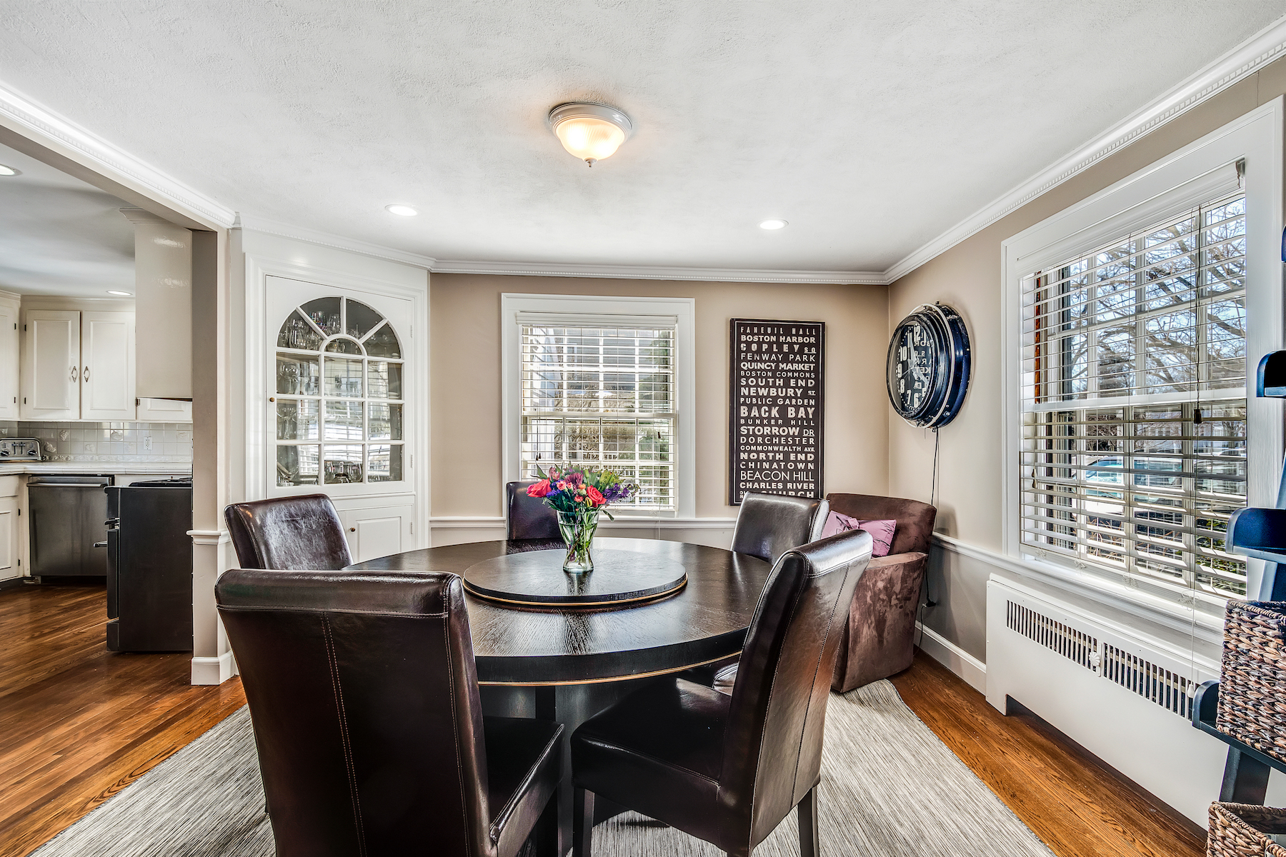 Additional photo for property listing at Gracious Colonial in East Hill Neighborhood 37 Pierrepont Road Winchester, Massachusetts 01890 United States