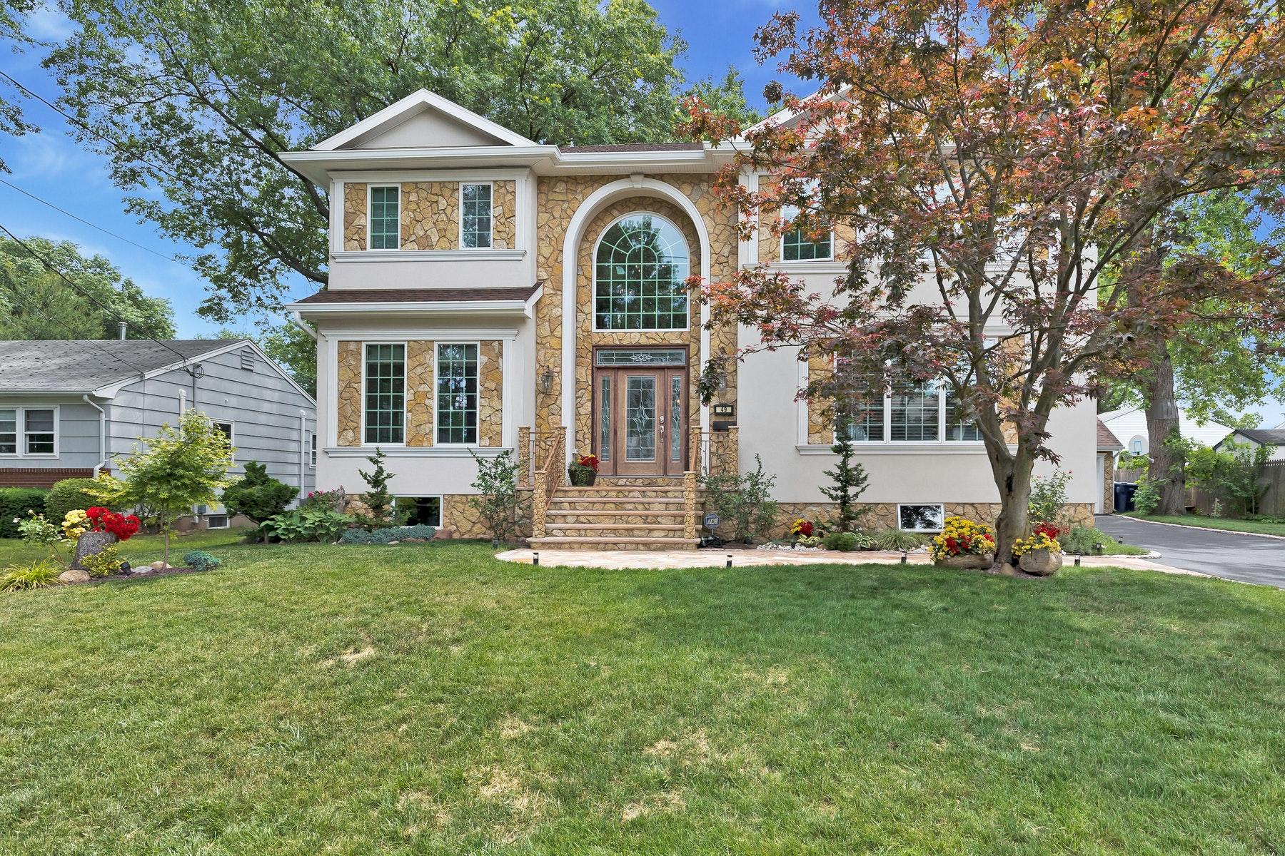 Single Family Homes für Verkauf beim Custom Colonial 49 Nassau St, Clark, New Jersey 07066 Vereinigte Staaten