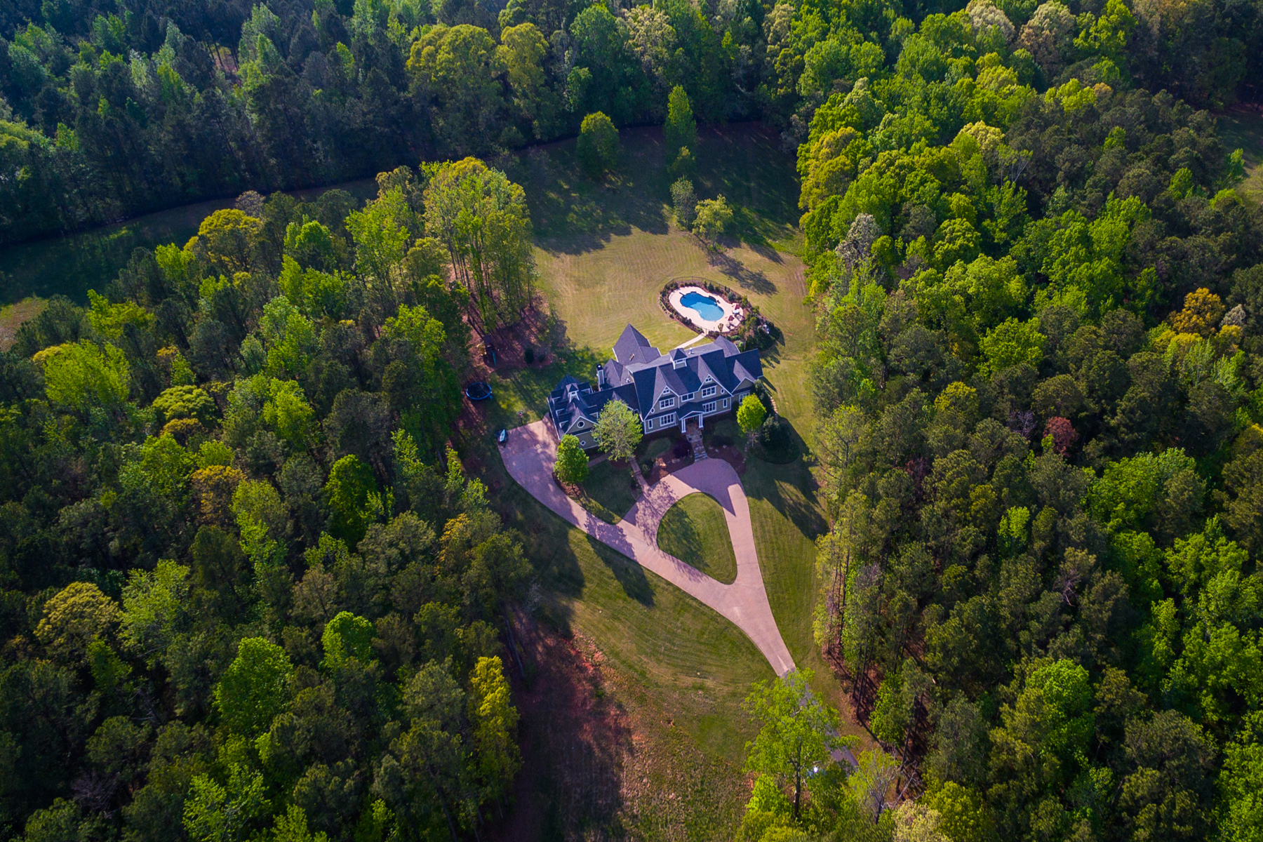 Maison unifamiliale pour l Vente à 36 Acre Gated Estate In Fayette County Near Pinewood Studio 100 Jenkins Road Tyrone, Georgia 30290 États-Unis