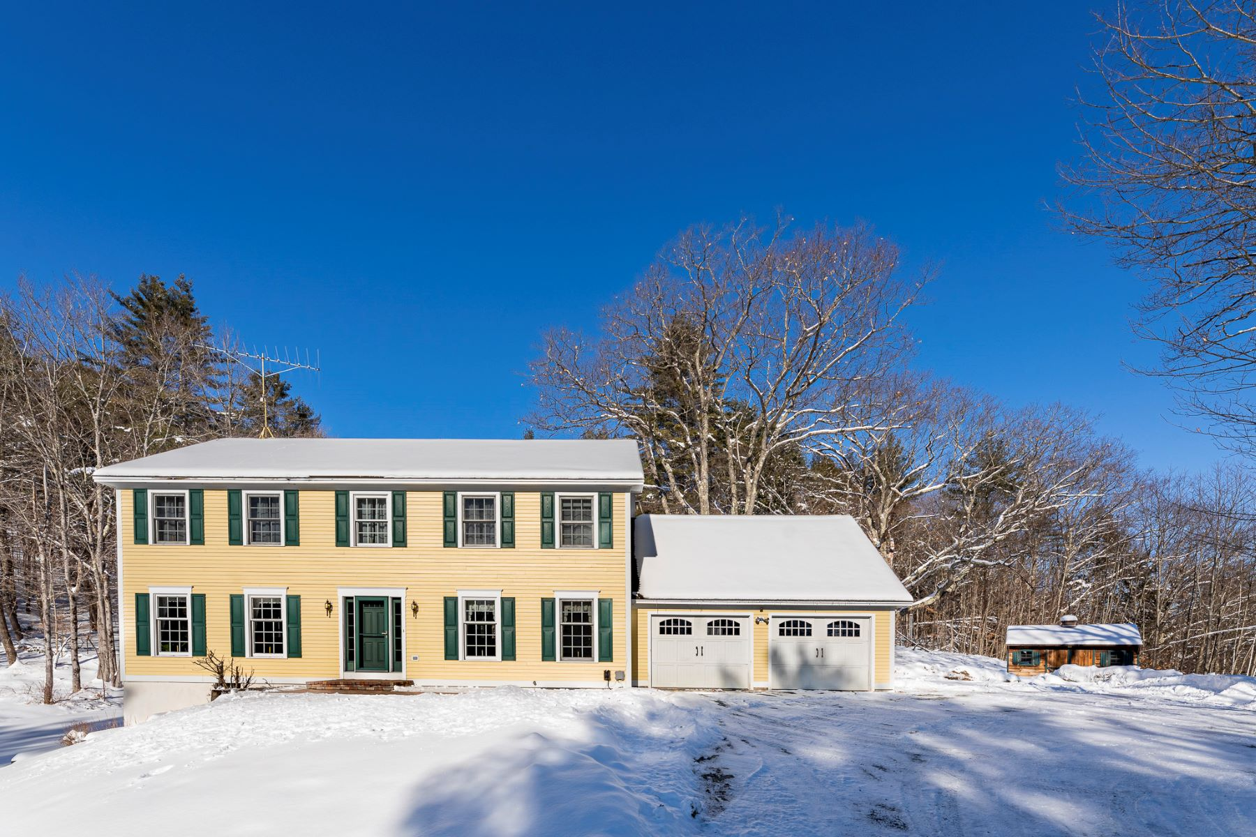 Single Family Homes for Sale at 34 Mount Tabor Road, Norwich 34 Mount Tabor Rd Norwich, Vermont 05055 United States