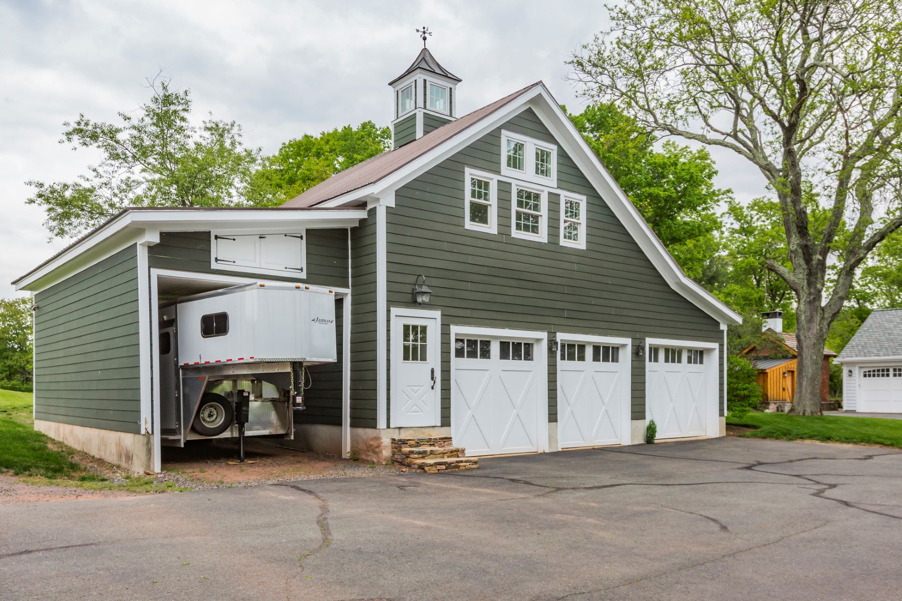 Additional photo for property listing at Historic Farm Reimagined for the Modern Equestrian - Hopewell Township 266 Province Line Road, Skillman, Nova Jersey 08558 Estados Unidos