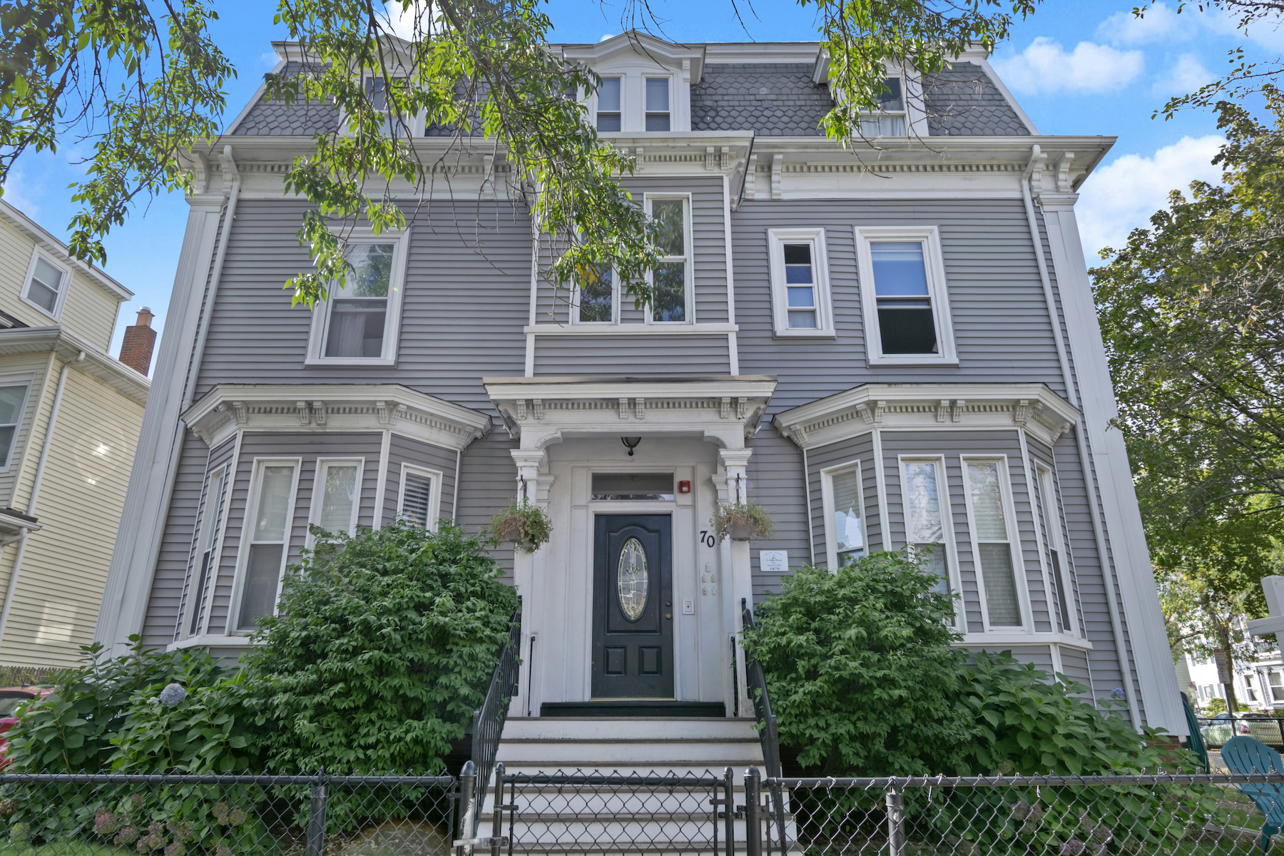 Condominiums 为 销售 在 70 Pearl Street, Unit 1 70 Pearl St 1 Somerville, 马萨诸塞州 02145 美国