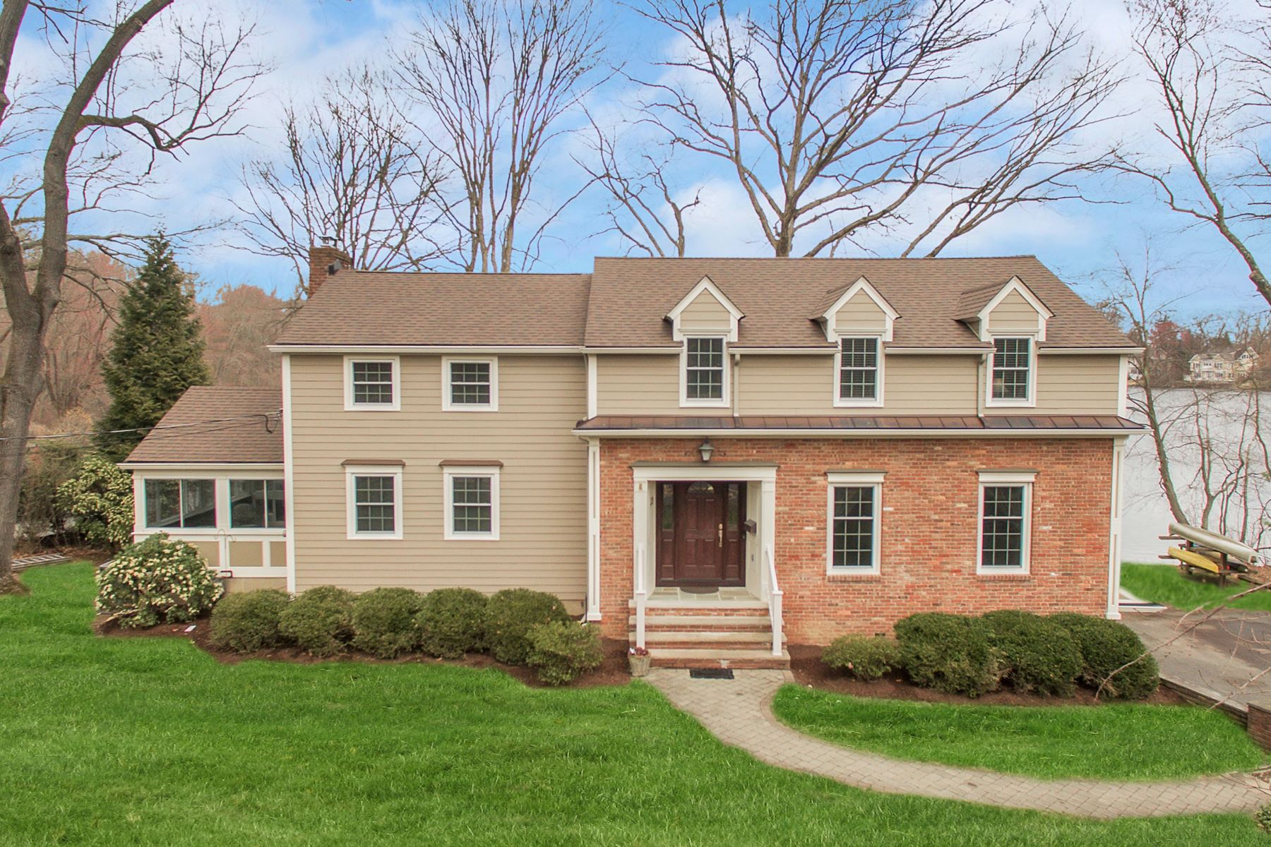 Single Family Homes for Sale at Meticulously Classic Colonial 39 N Pocono Road Mountain Lakes, New Jersey 07046 United States