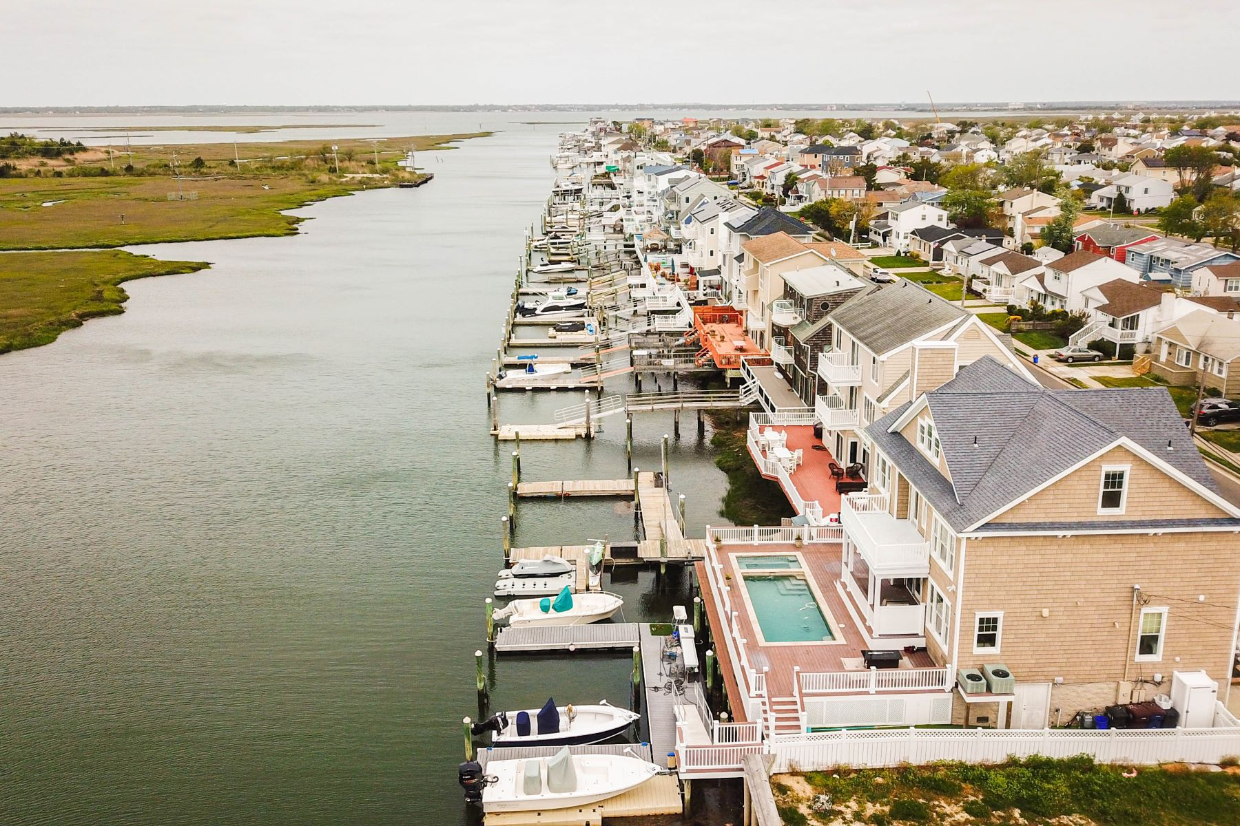 Single Family Homes for Sale at 324 N Harvard Ave Ventnor, New Jersey 08406 United States