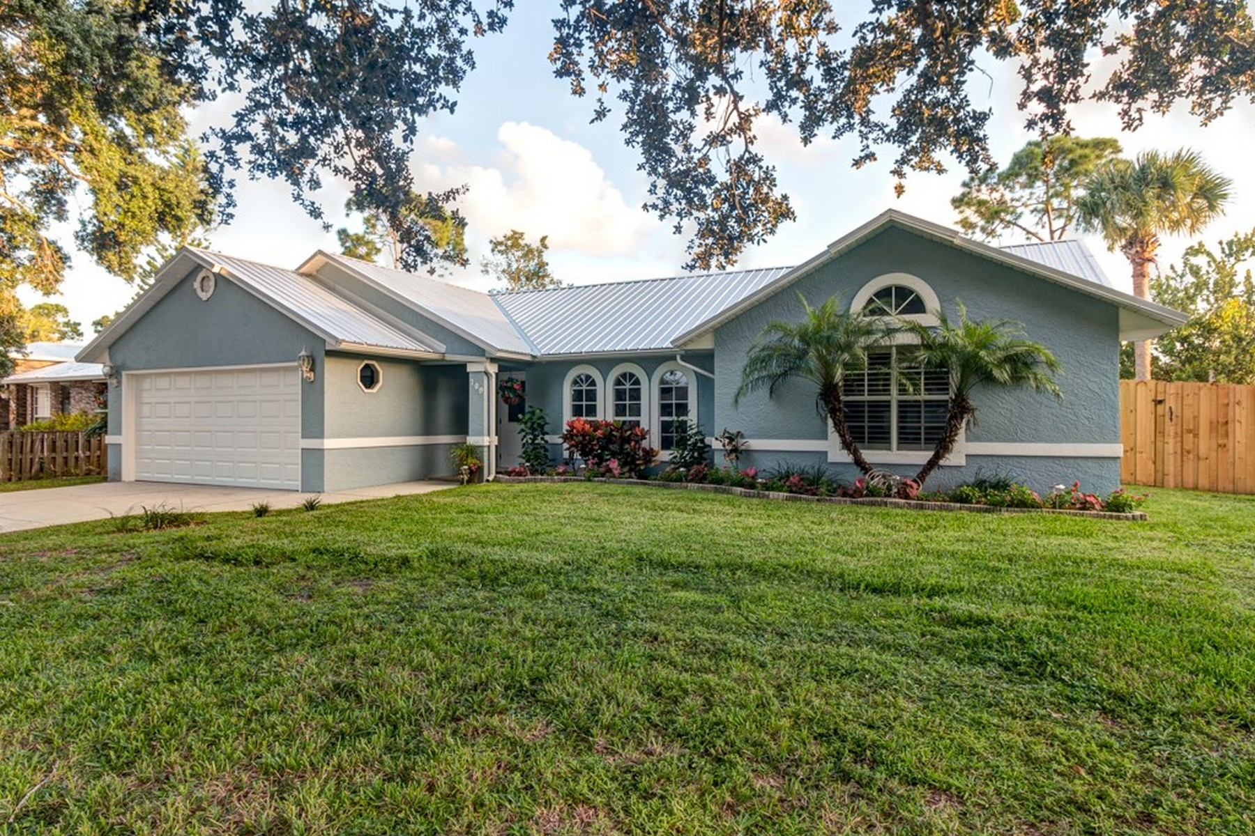 Lovely Home with New Metal Roof 709 Doctor Avenue Sebastian, Florida 32958 Hoa Kỳ