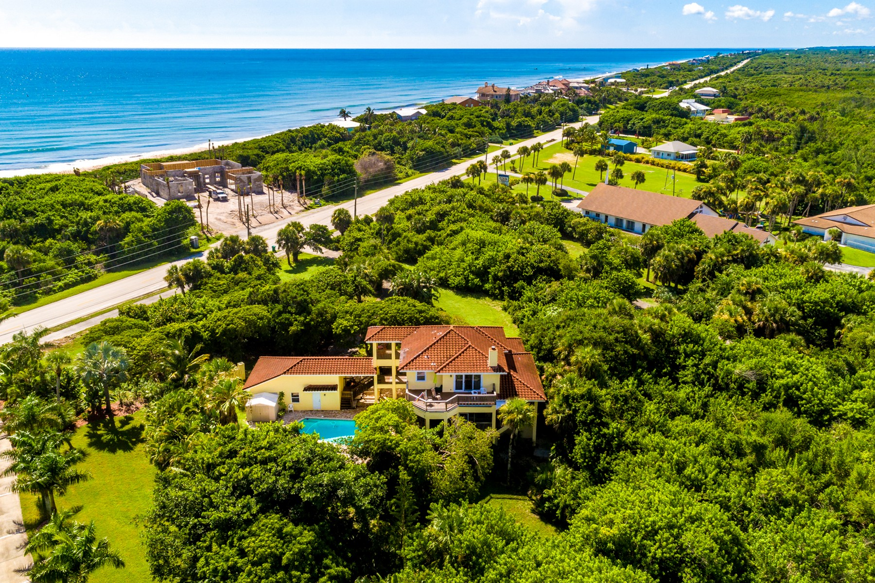 Single Family Homes for Sale at 3 1/2 Acre Riverfront Estate in Private, Nature Rich Setting 8210 S Highway A1A Melbourne Beach, Florida 32951 United States
