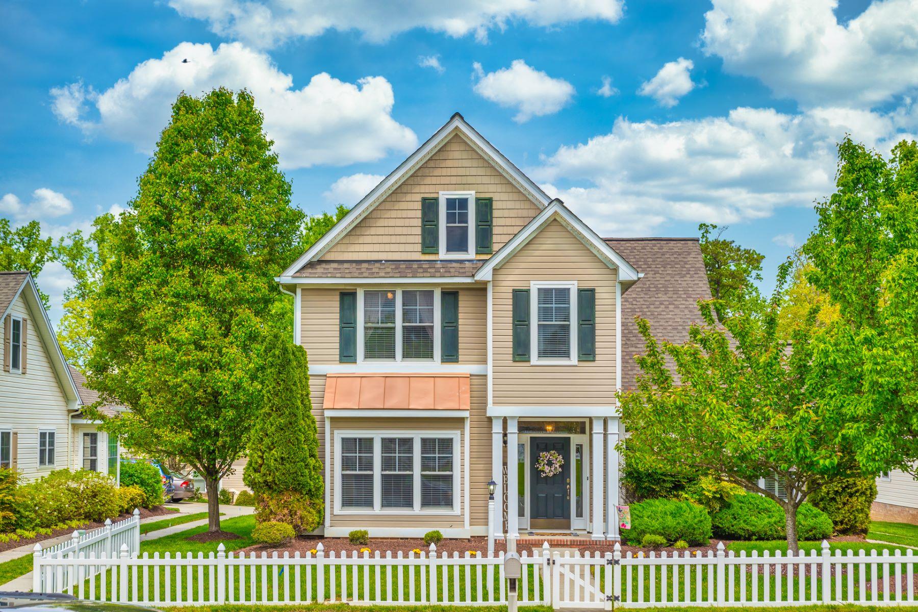 Single Family Homes 為 出售 在 Stonehill 9043 Planters Crossing, Toano, 弗吉尼亞州 23168 美國