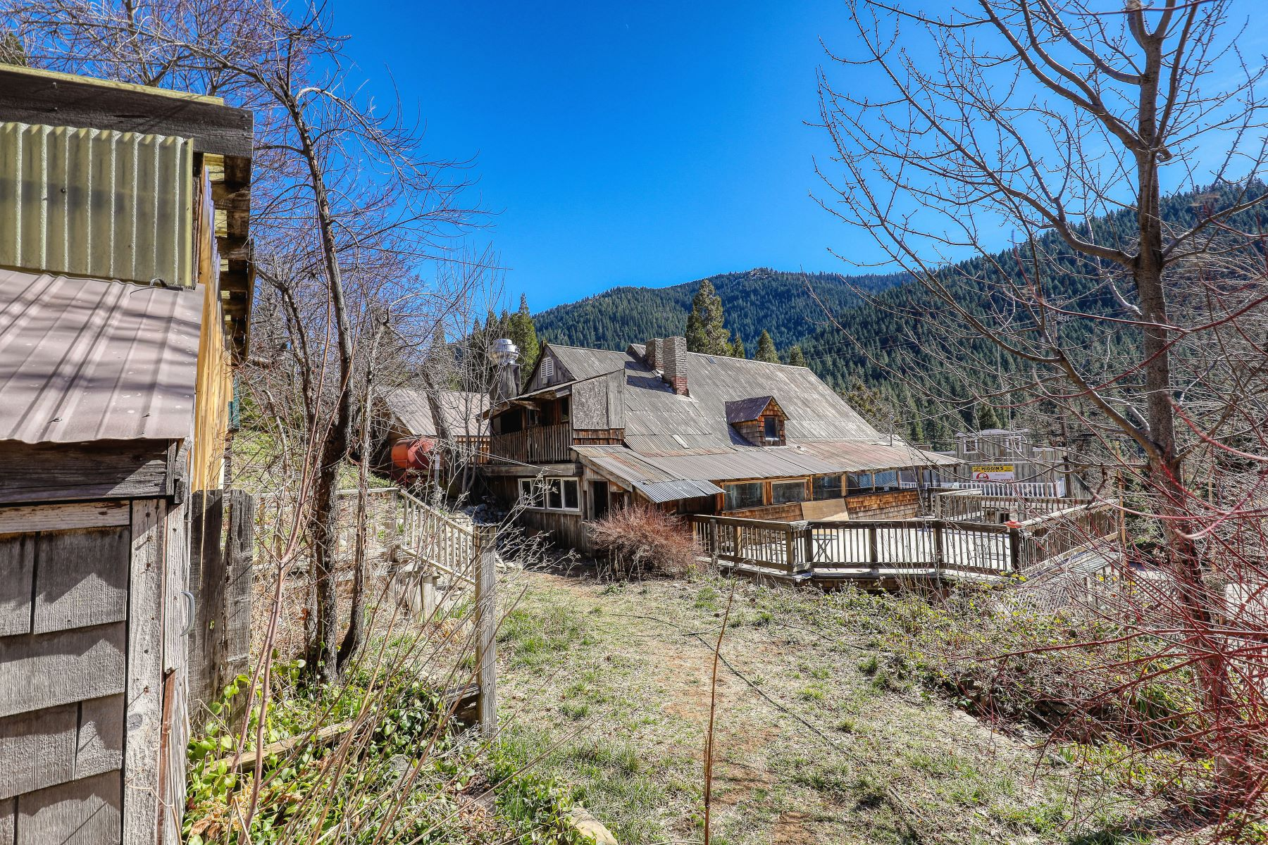 Additional photo for property listing at Charming historic building built in the 1800's 225 Main Street Sierra City, 加利福尼亚州 96125 美国