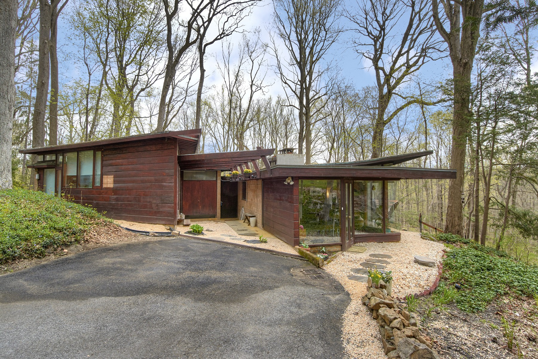 Single Family Home for Sale at Mid-Century Modern 6 Usonia Road Pleasantville, New York 10570 United States