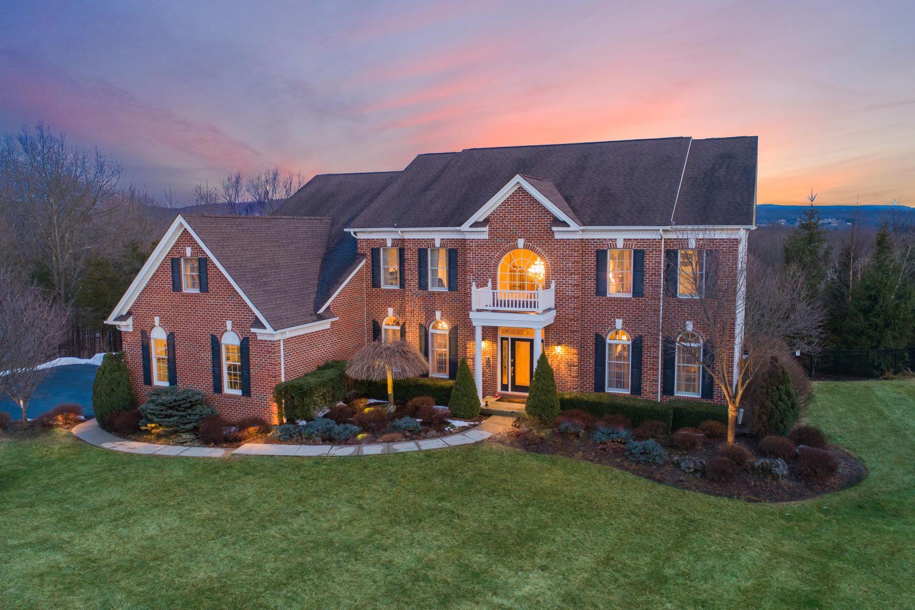 Casa para uma família para Venda às Stunning End of Cul De Sac 60 Flagstone Hill Rd, Wantage, Nova Jersey 07461 Estados Unidos