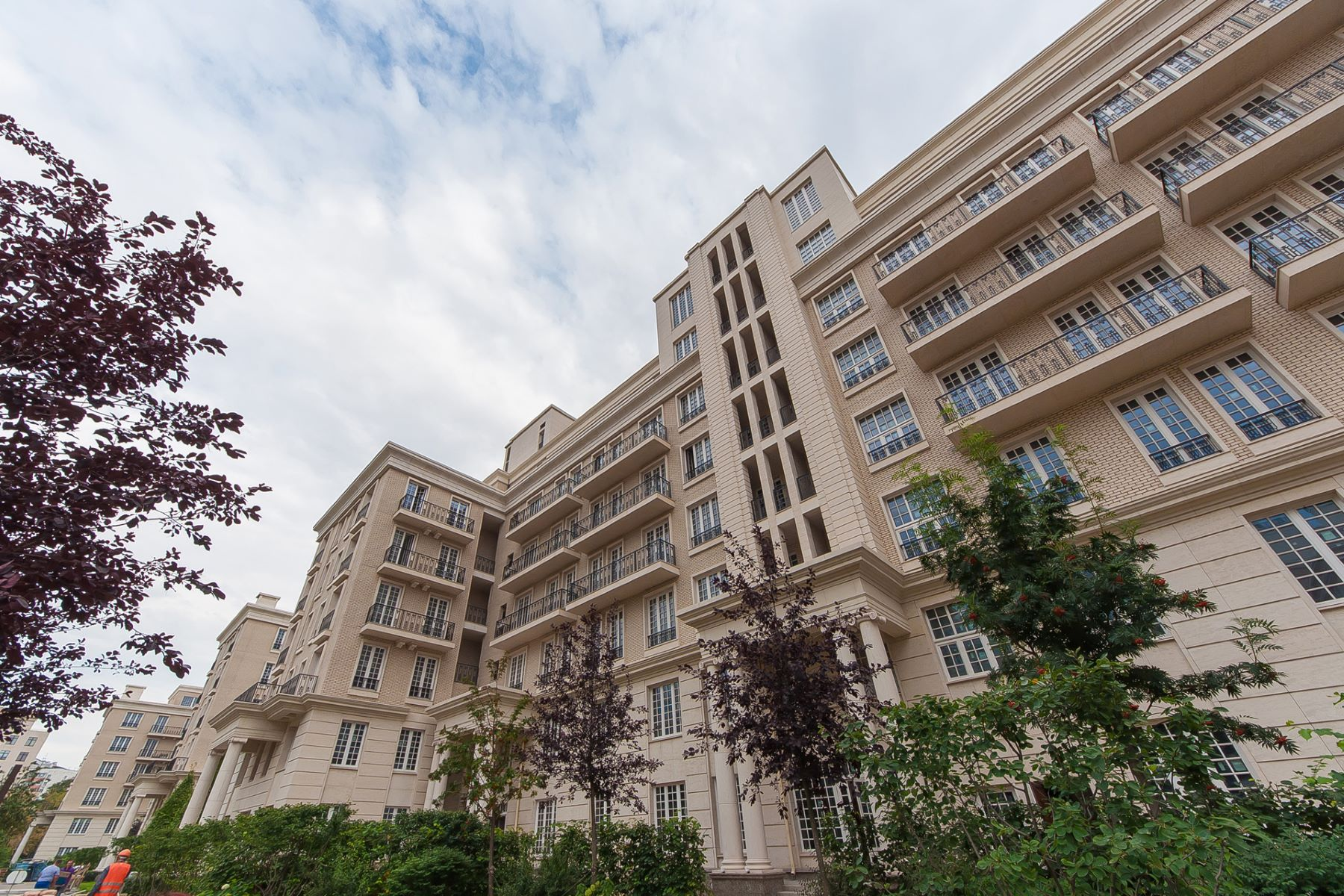 Apartments for Sale at Residential Complex Knightsbridge Private Park Moscow, Moscow Russia