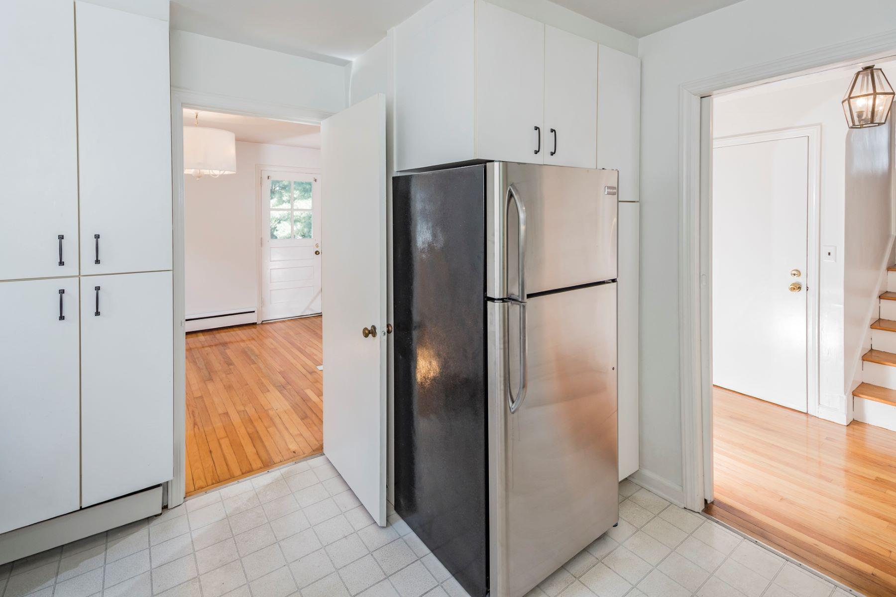 Additional photo for property listing at Wonderful Riverside Rental 49 Wilton Street, Princeton, New Jersey 08540 United States