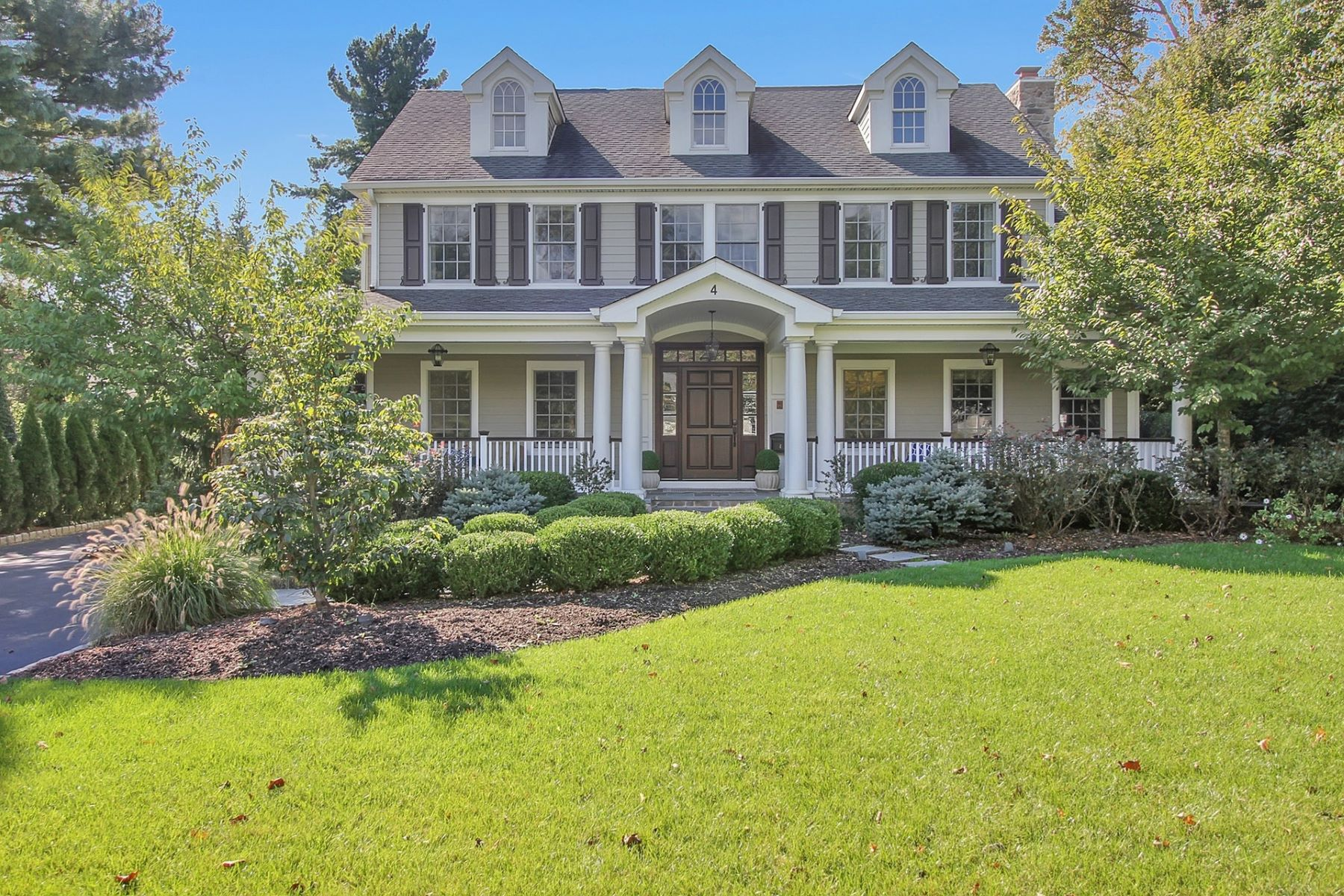Single Family Homes for Sale at Gracious Living 4 Windsor Road Summit, New Jersey 07901 United States