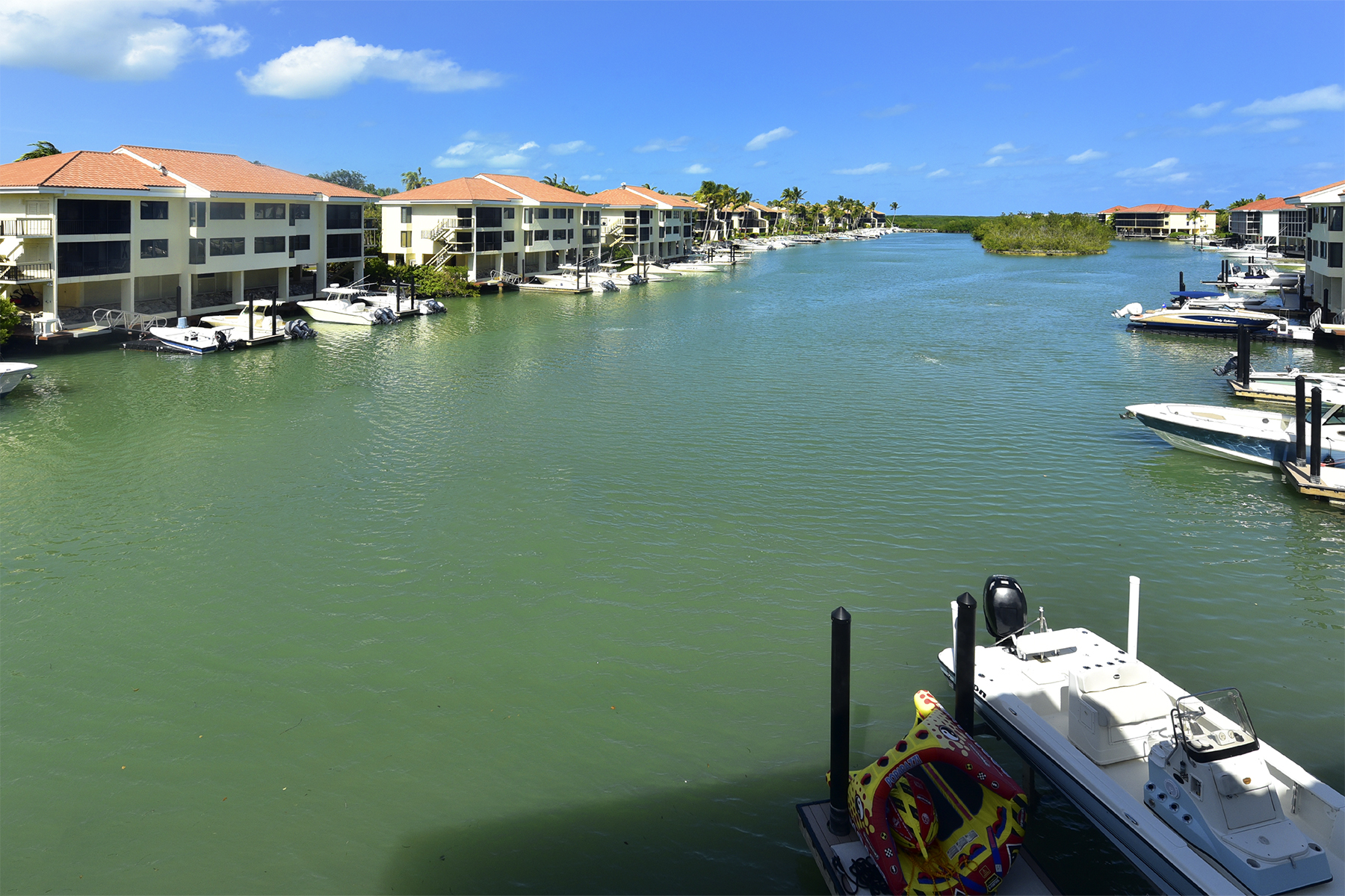 Additional photo for property listing at Fisherman's Cove Condominium at Ocean Reef 21 Fisherman's Cove, Unit B Key Largo, 플로리다 33037 미국
