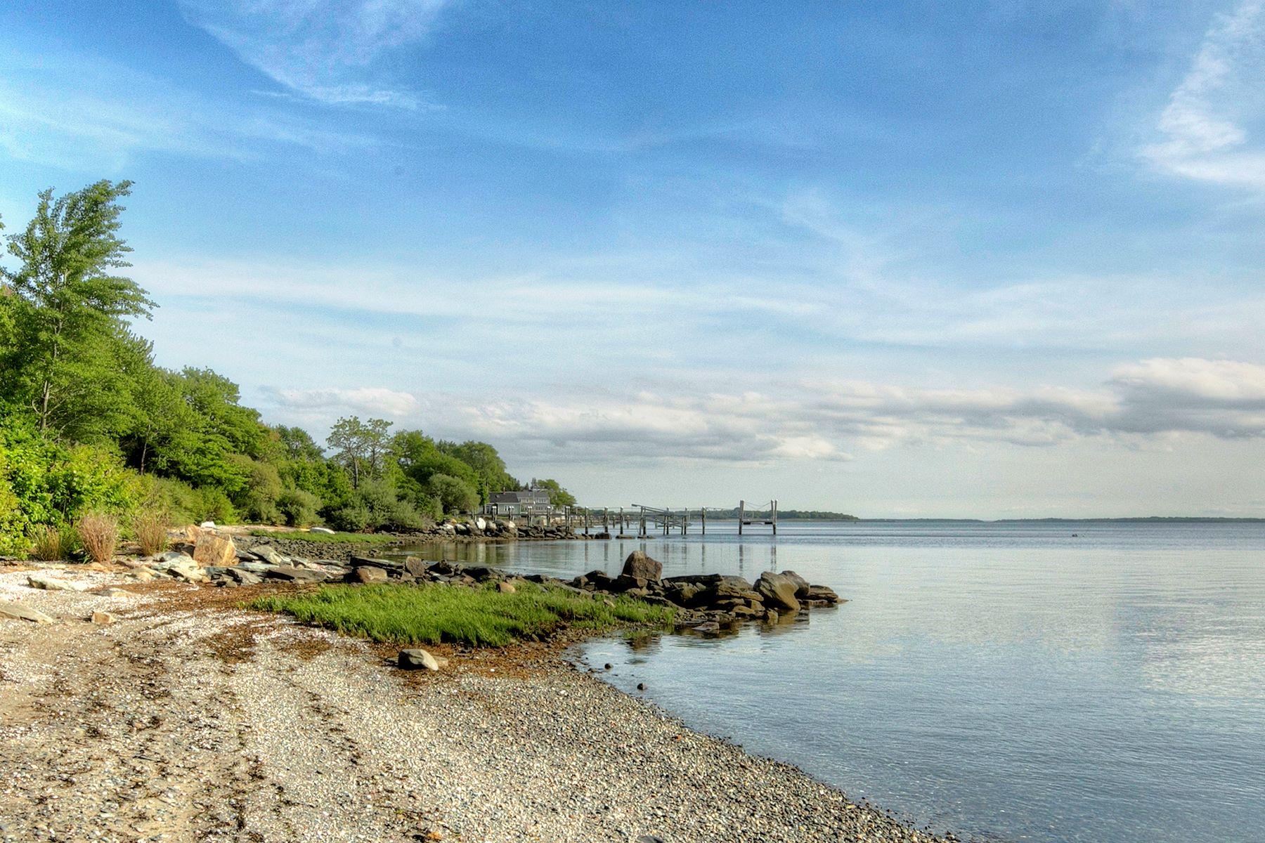 Οικόπεδο για την Πώληση στο West-Facing Waterfront Land 0 Surf Drive, Bristol, Ροουντ Αϊλαντ 02809 Ηνωμένες Πολιτείες