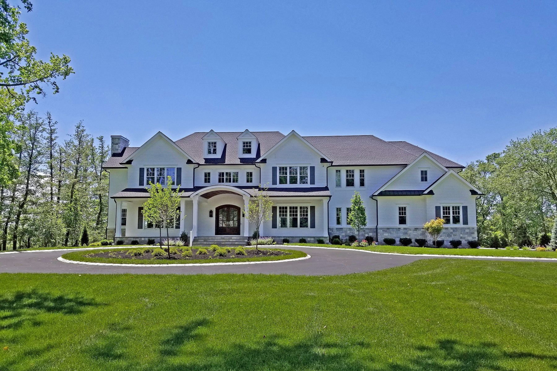 Single Family Homes for Sale at LUXURIOUS ESCAPE 22 Conover Ln Rumson, New Jersey 07760 United States