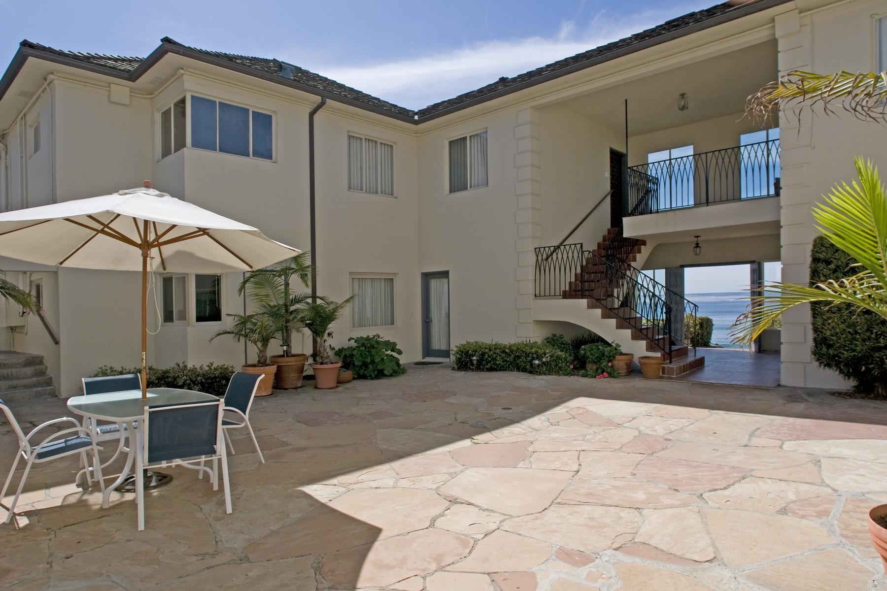 Townhouse for Sale at 203 Rosemont St La Jolla, California, 92037 United States