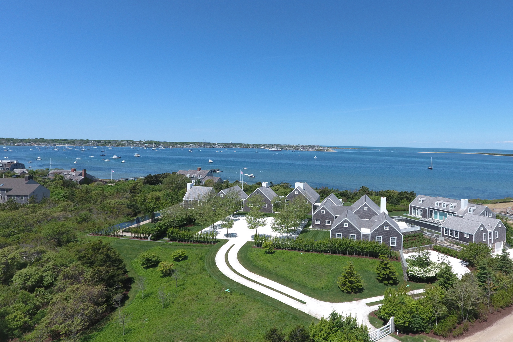 Villa per Vendita alle ore Harbor Hill Estate 4 Middle Valley Road 48 Shimmo Pond Road Nantucket, Massachusetts, 02554 Stati Uniti