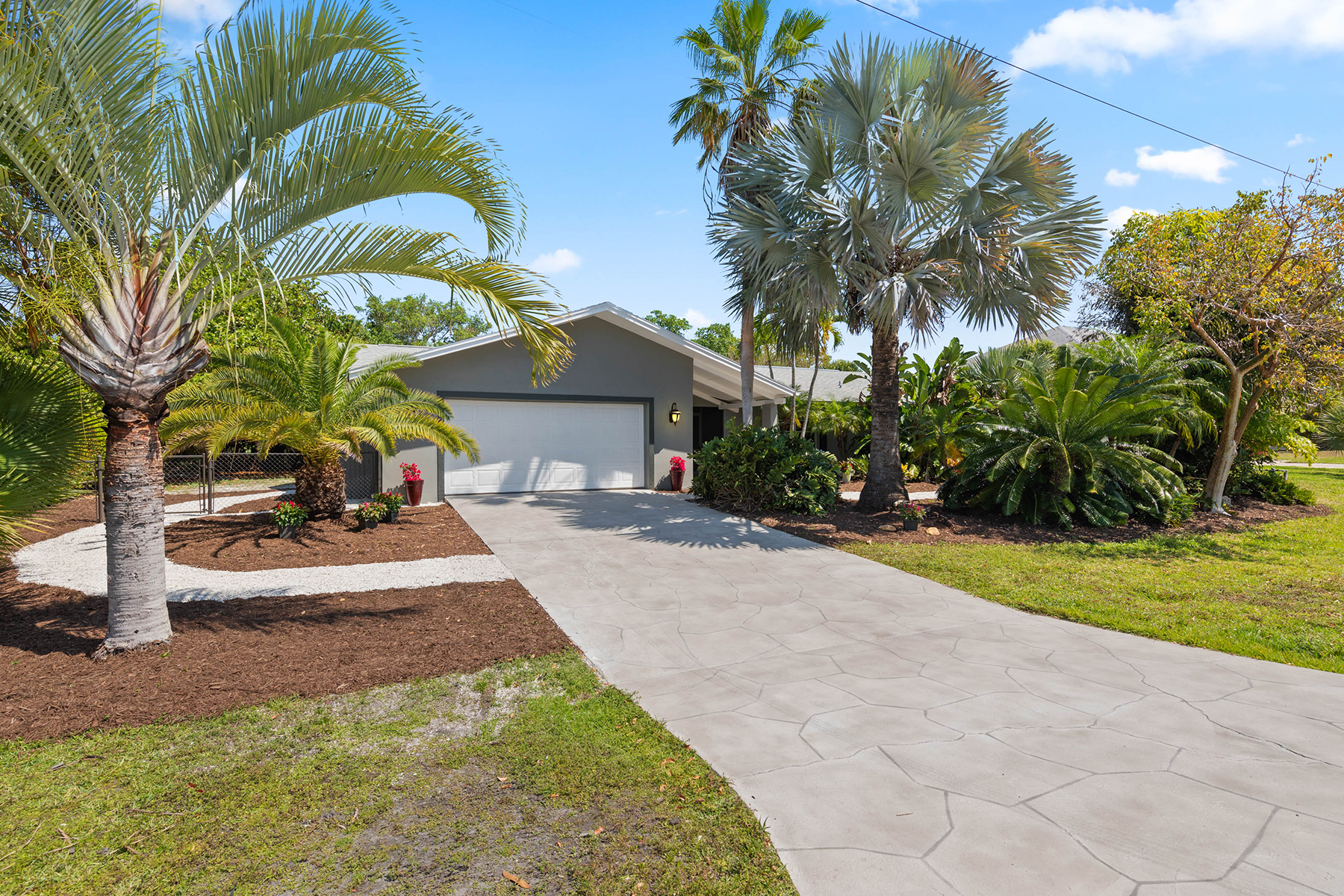 Single Family Homes for Active at 1731 Serenity Ln Sanibel, Florida 33957 United States