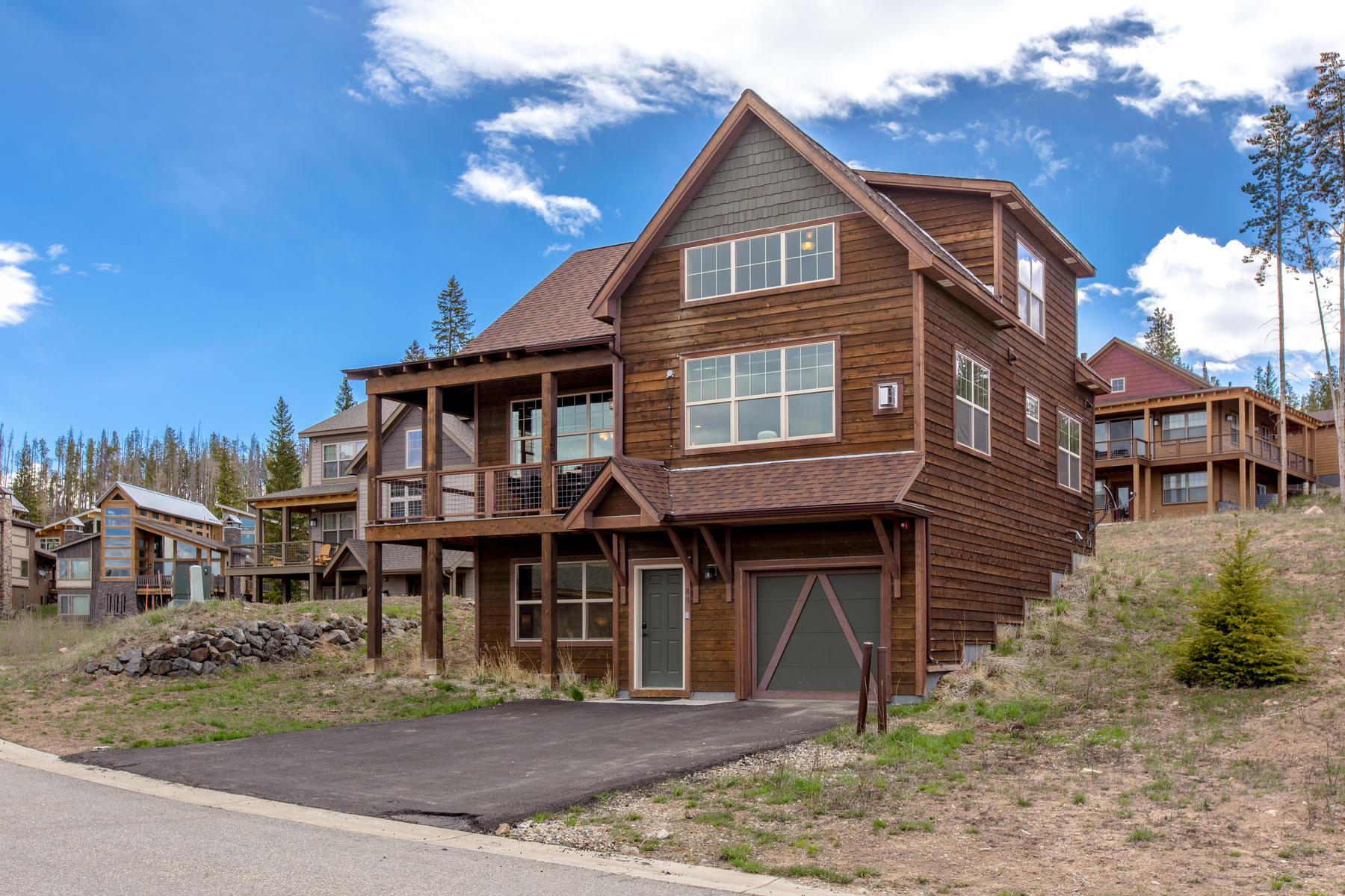 Single Family Homes για την Πώληση στο Enjoy this luxury 3 bedroom 3 ½ bath mountain original model home in Rendezvous 80 Moosehorn Ct, Fraser, Κολοραντο 80442 Ηνωμένες Πολιτείες