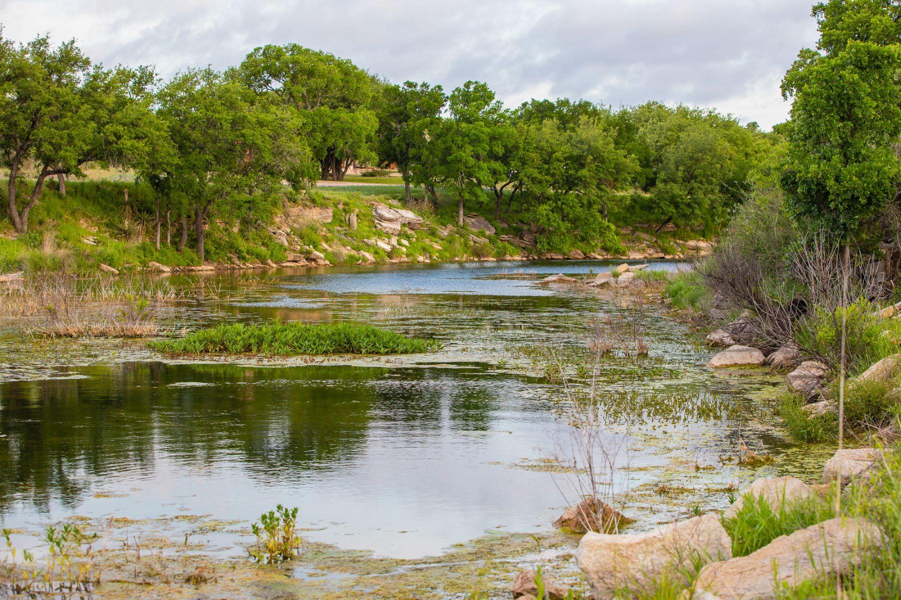 Granjas / Hacienda / Platanción por un Venta en Bucksprings Ranch 0 CR 312 Llano, Texas 78643 Estados Unidos