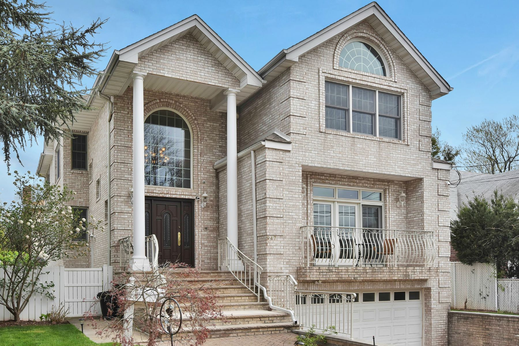 Single Family Home for Sale at Stunning Custom Colonial! 947 Linden Avenue Ridgefield, New Jersey 07657 United States