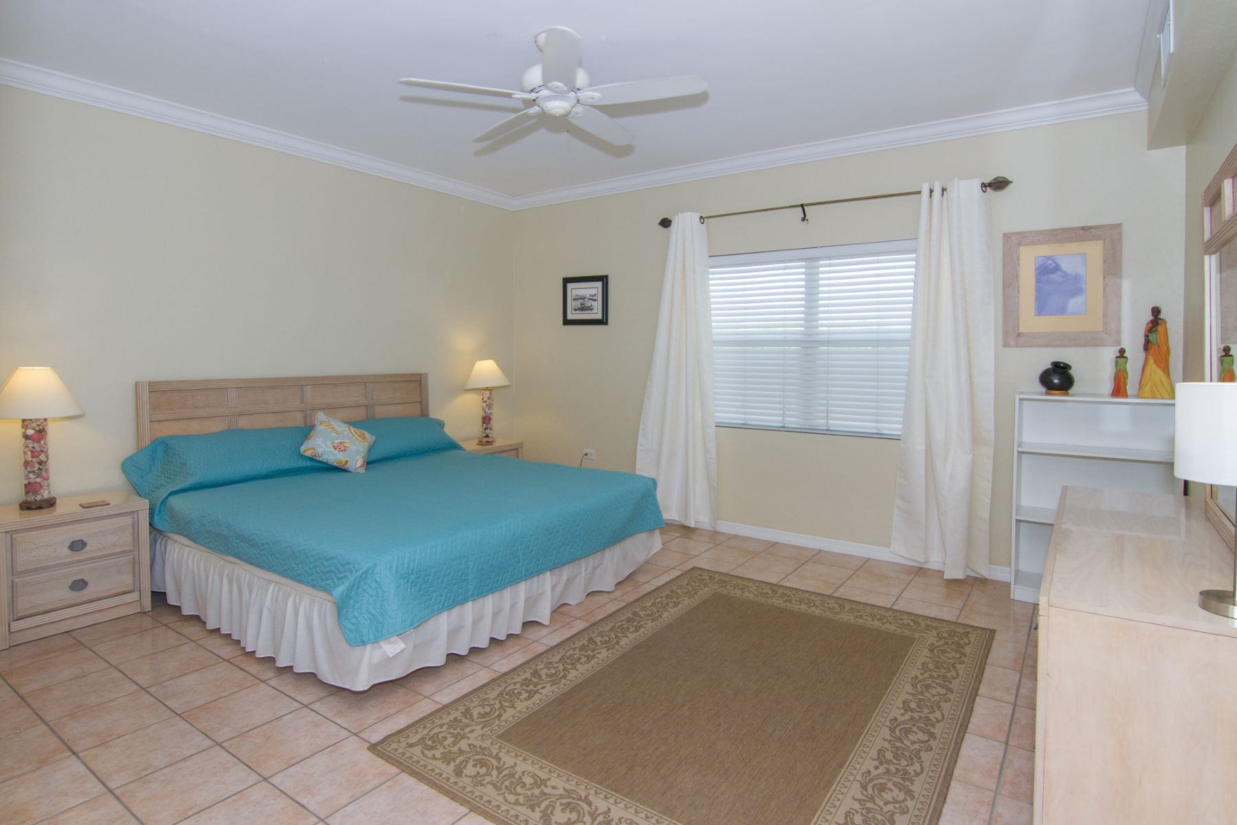Additional photo for property listing at Coral Bay Village Spotts, Gran Caimán Islas Caimán
