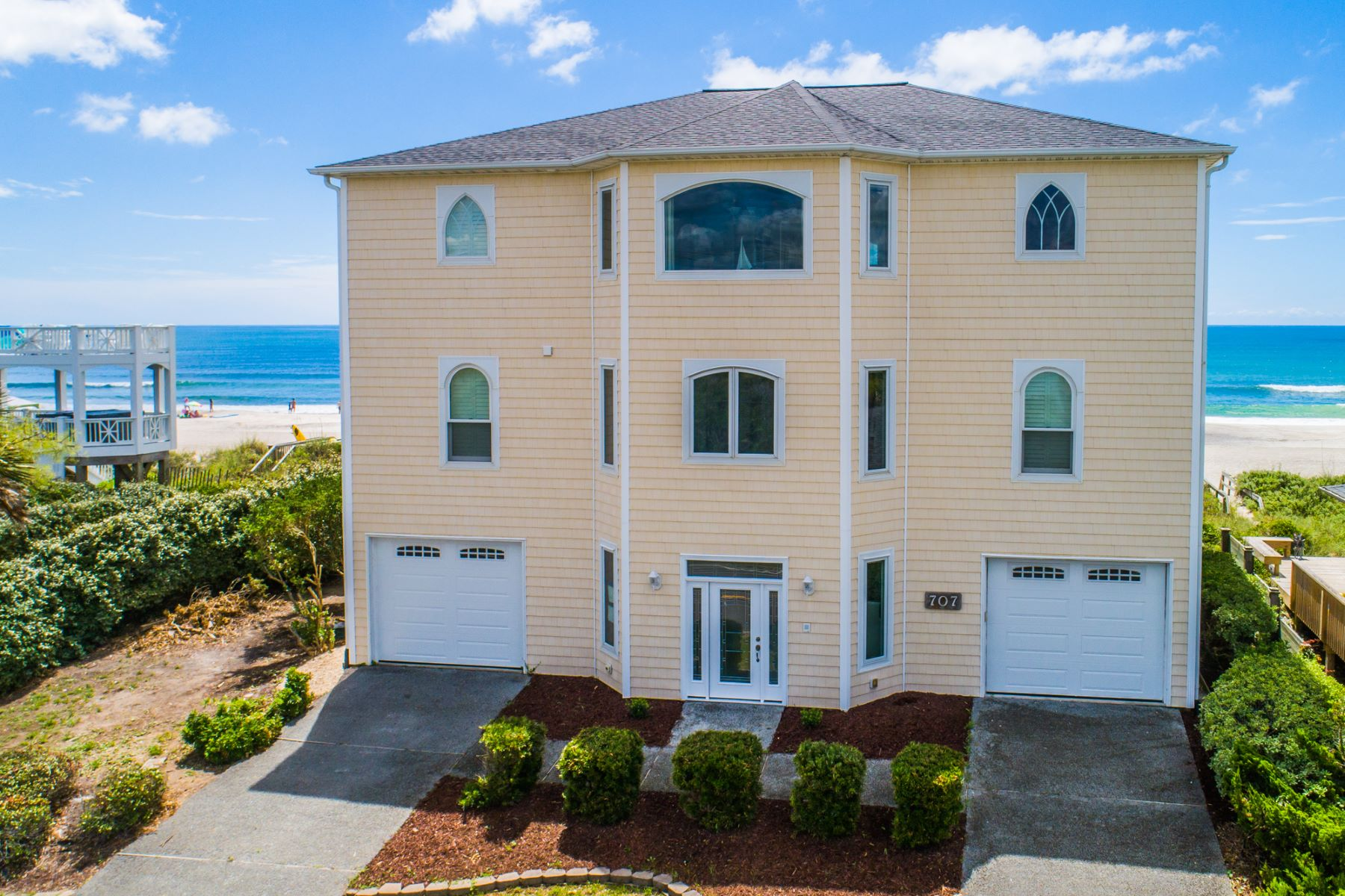 Single Family Homes for Active at Oceanfront House on well Elevated Lot 707 N Anderson Boulevard Topsail Beach, North Carolina 28445 United States