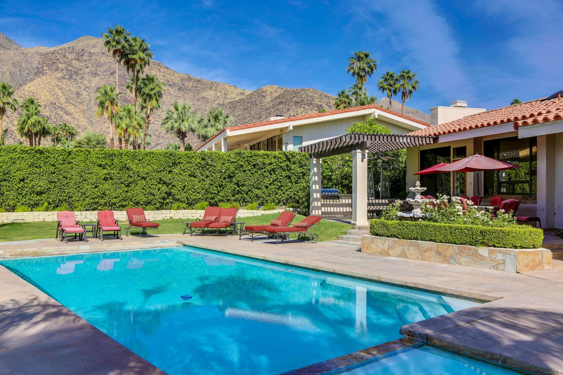 独户住宅 为 销售 在 699 Camino Norte 棕榈泉, 加利福尼亚州, 92262 美国
