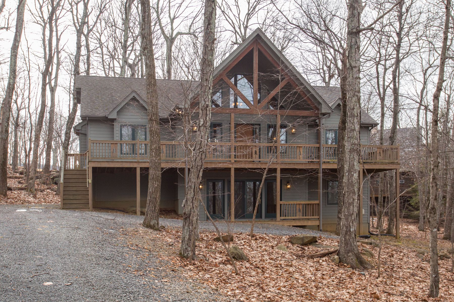 Additional photo for property listing at Mountain Getaway 224 Deer Springs Lane Nellysford, Virginia 22958 United States