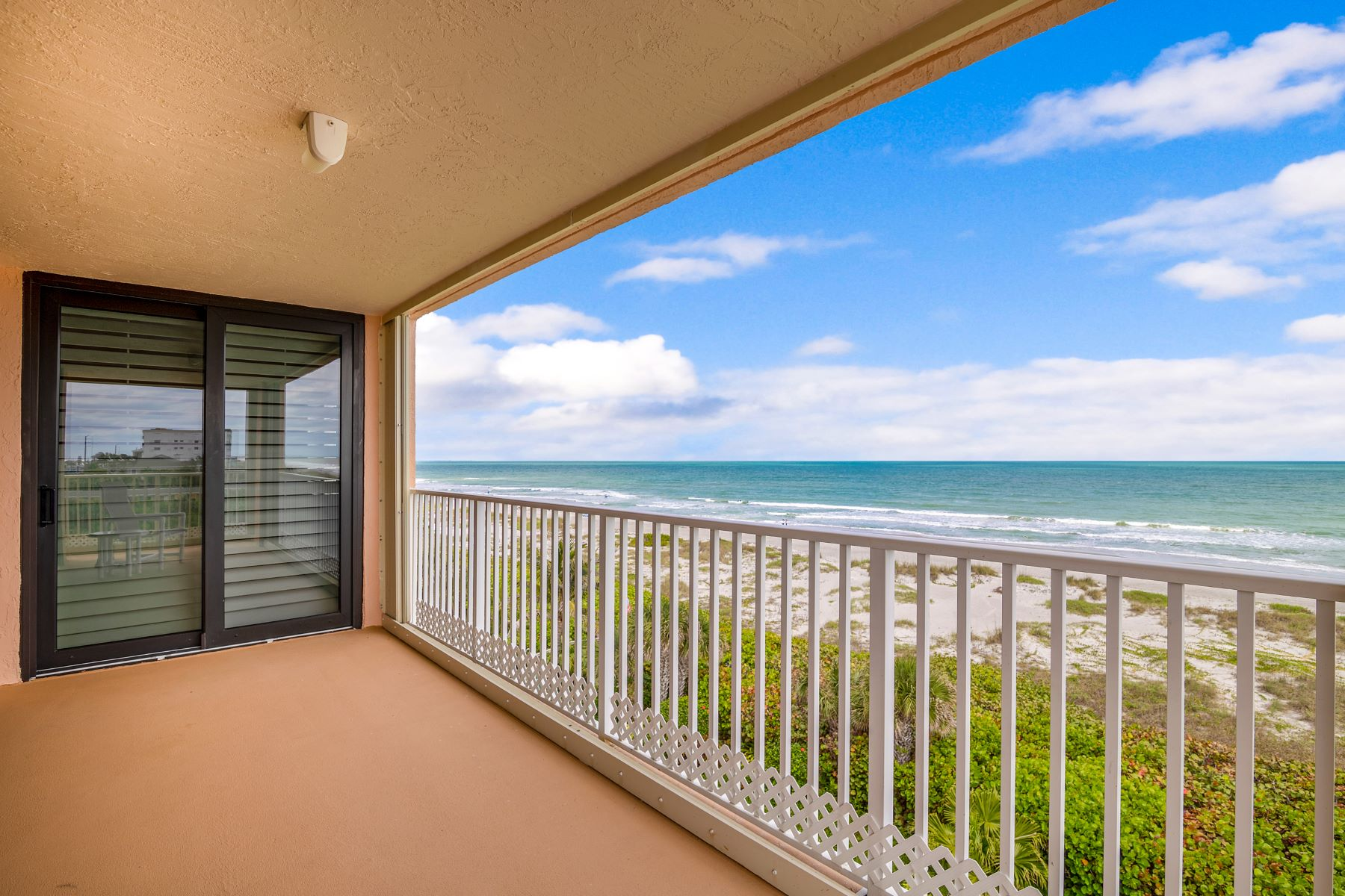 Additional photo for property listing at Coral Sands Condo 1527 S. Atlantic Avenue #502 Cocoa Beach, Florida 32931 United States