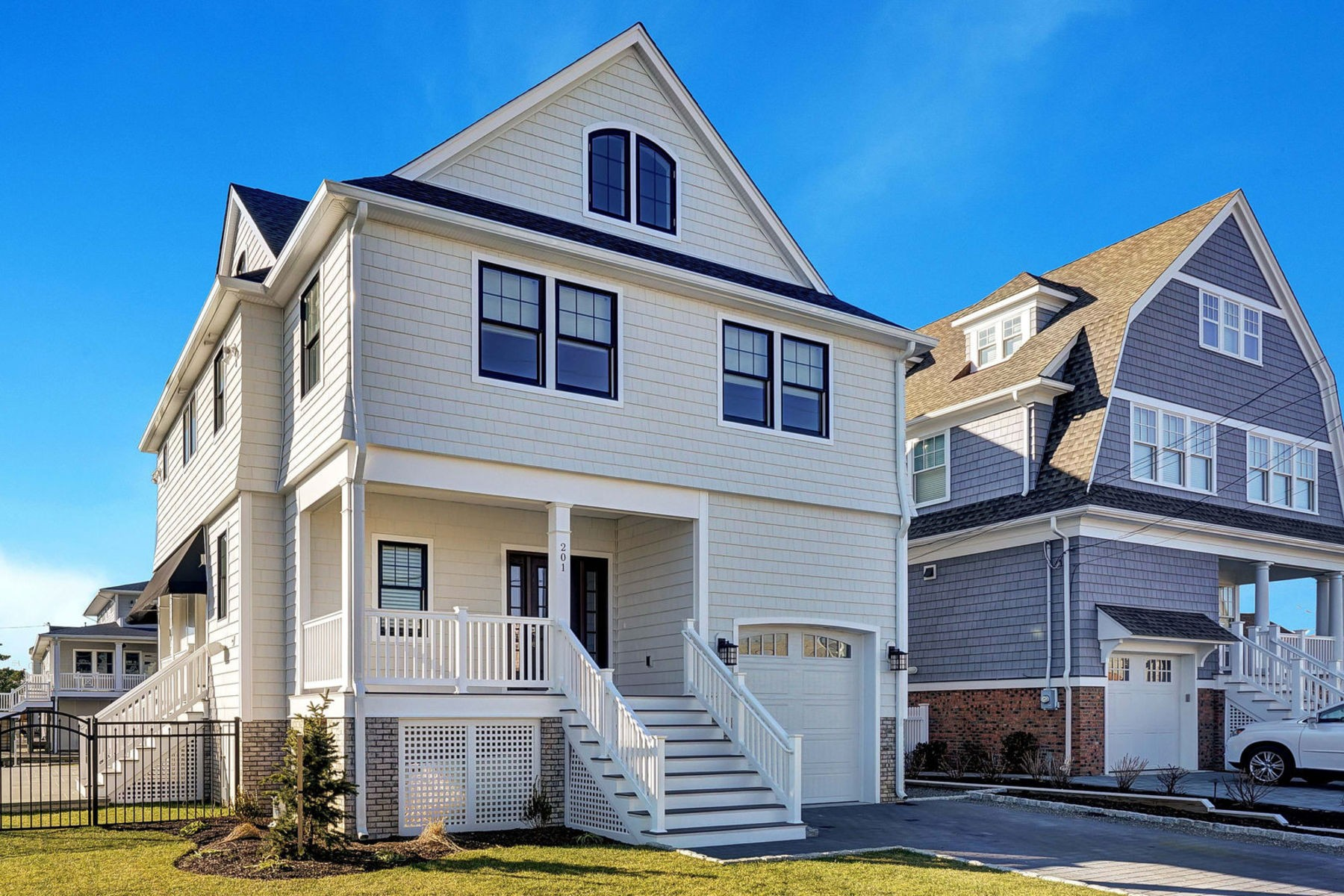 Moradia para Venda às Beautiful Custom Built Waterfront Home With Exceptional Finishes 201 4th Avenue, Normandy Beach, Nova Jersey 08739 Estados Unidos