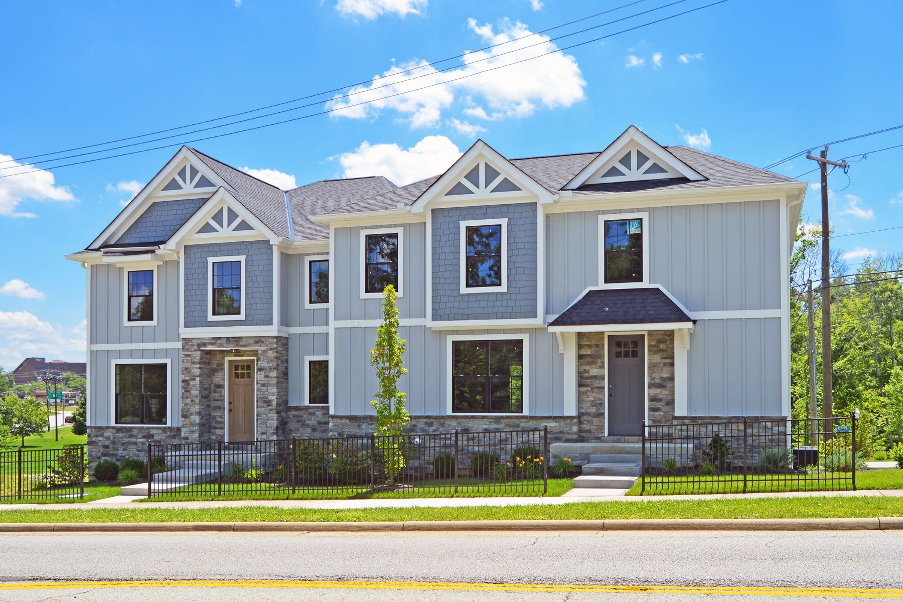 townhouses for Sale at Blue Ash's premiere Lifestyle community built by Cedar Hill Custom Homes 9332 Old Plainfield Rd. Blue Ash, Ohio 45236 United States