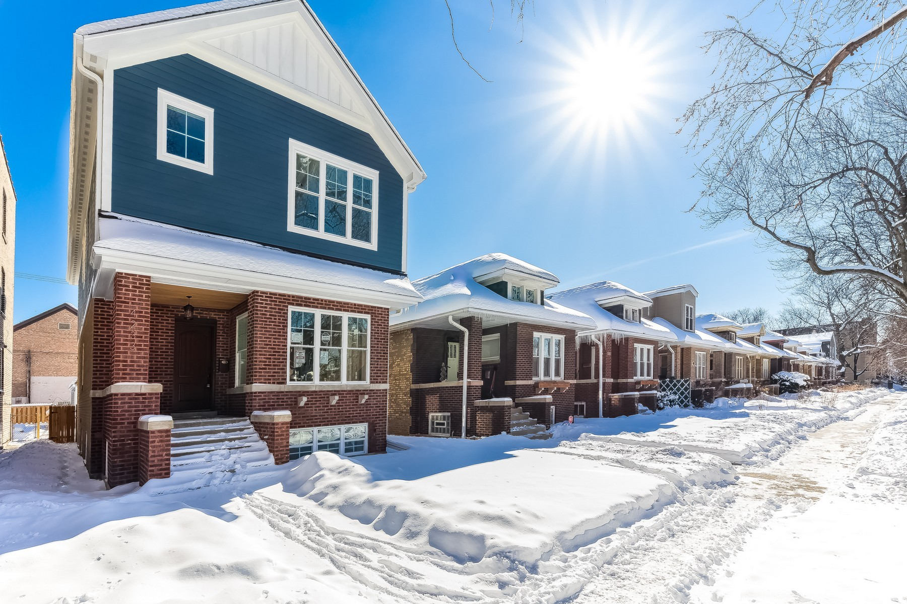 Single Family Home for Sale at Spectacular Single Family Home 4233 N Mozart Street, North Center, Chicago, Illinois, 60618 United States