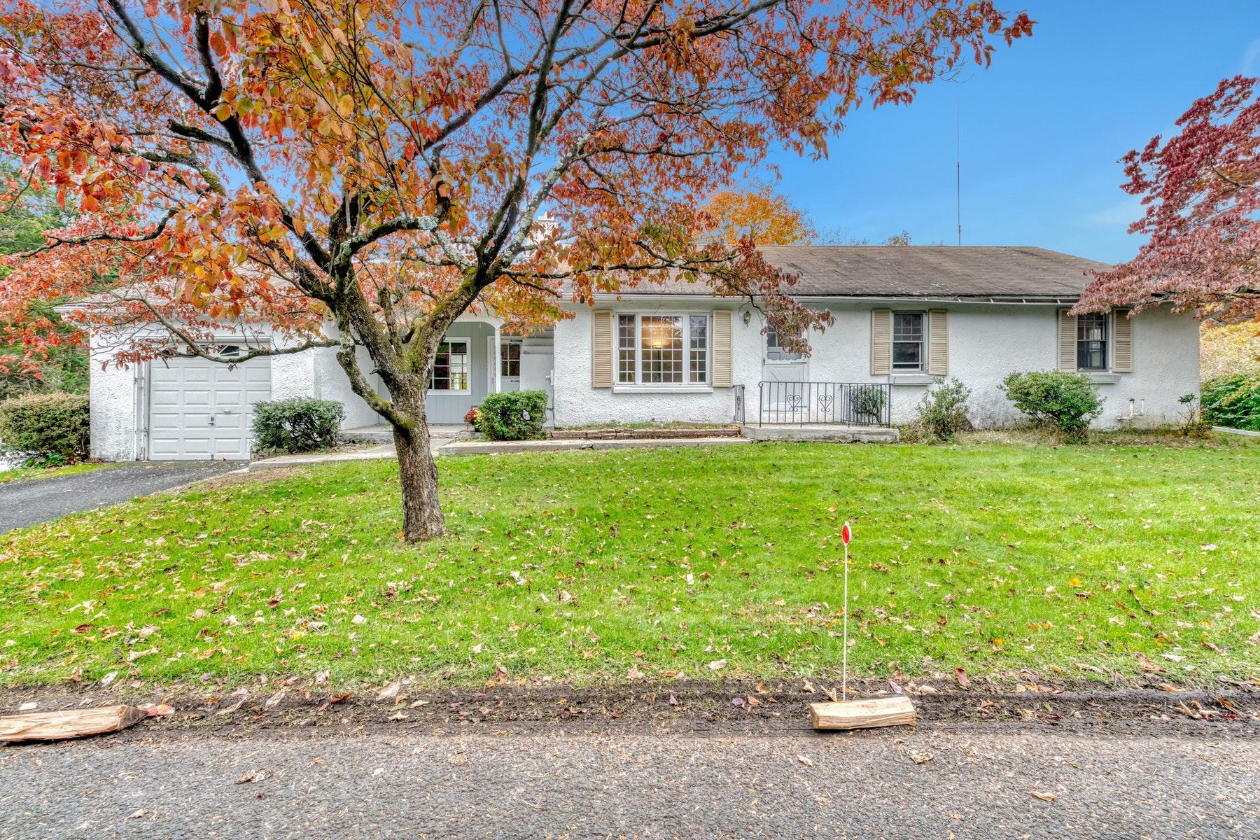 Single Family Homes för Försäljning vid First Time on Market 97 Call Hollow Road, Pomona, New York 10970 Förenta staterna