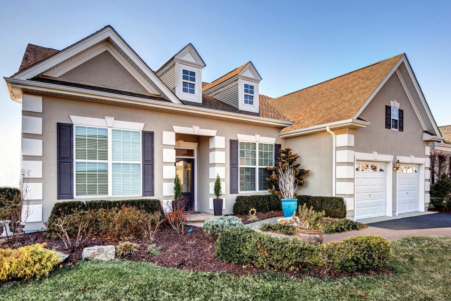 واحد منزل الأسرة للـ Sale في Two Story Loft 5 Chesterfield Drive, Jackson, New Jersey, 08527 United States