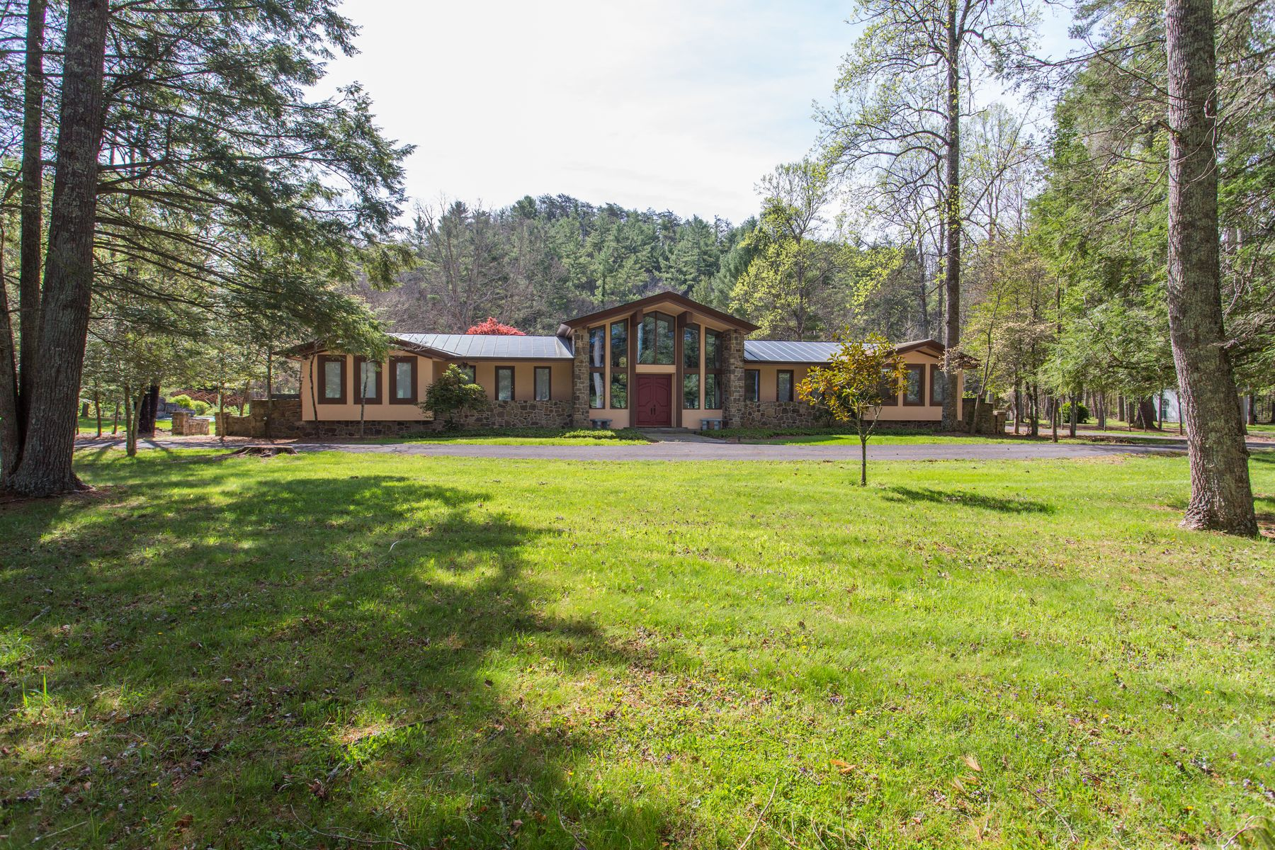 Single Family Home for Sale at 2991 Old Parkersburg Turnpike West Augusta, Virginia 24485 United States