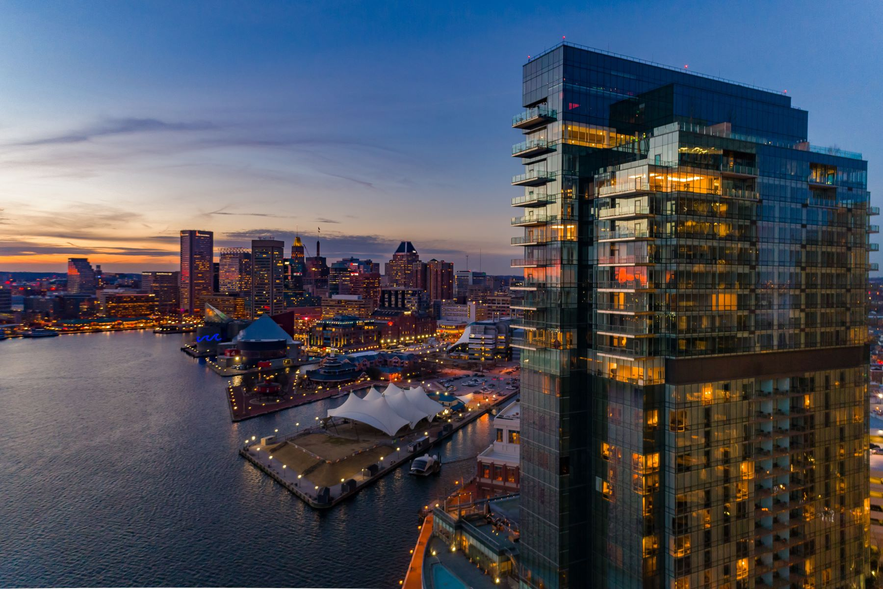 Condominiums için Satış at Four Seasons Private Residences 200 International Drive, #2701, Baltimore, Maryland 21202 Amerika Birleşik Devletleri