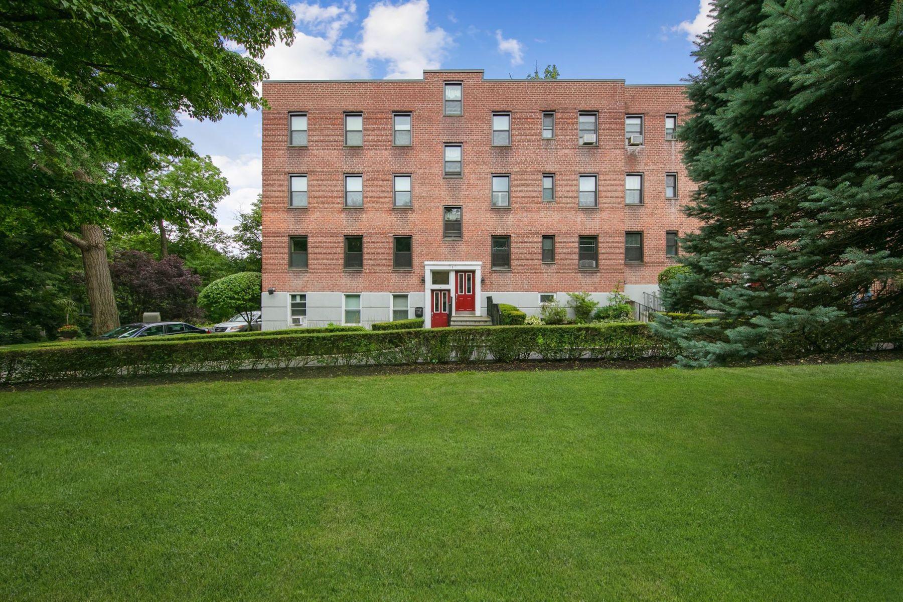 Co-op Properties for Active at 14 S Broadway Unit #1-3B Irvington, New York 10533 United States