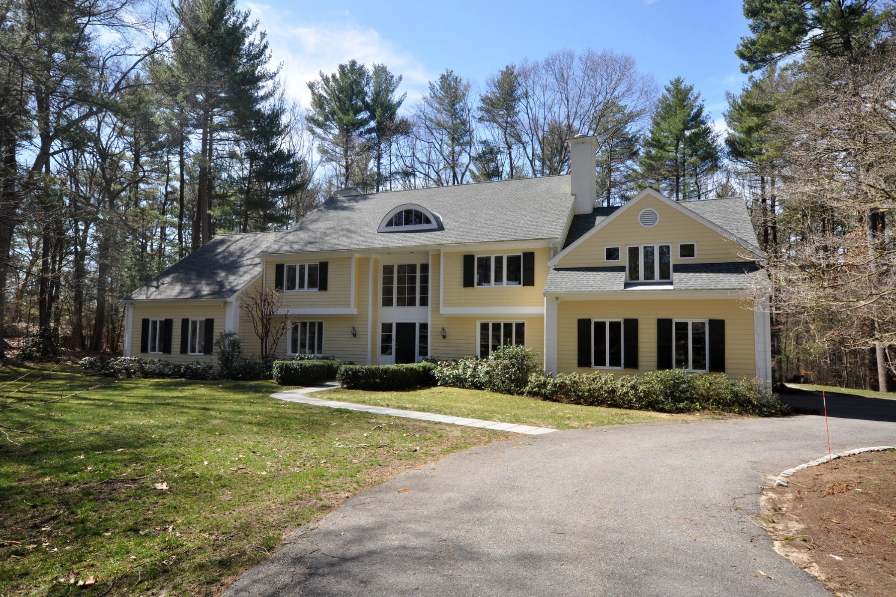 Single Family Home for Sale at Gracious Colonial at the Foot of Nashawtuc Hill 249 Musterfield Road Concord, Massachusetts, 01742 United States