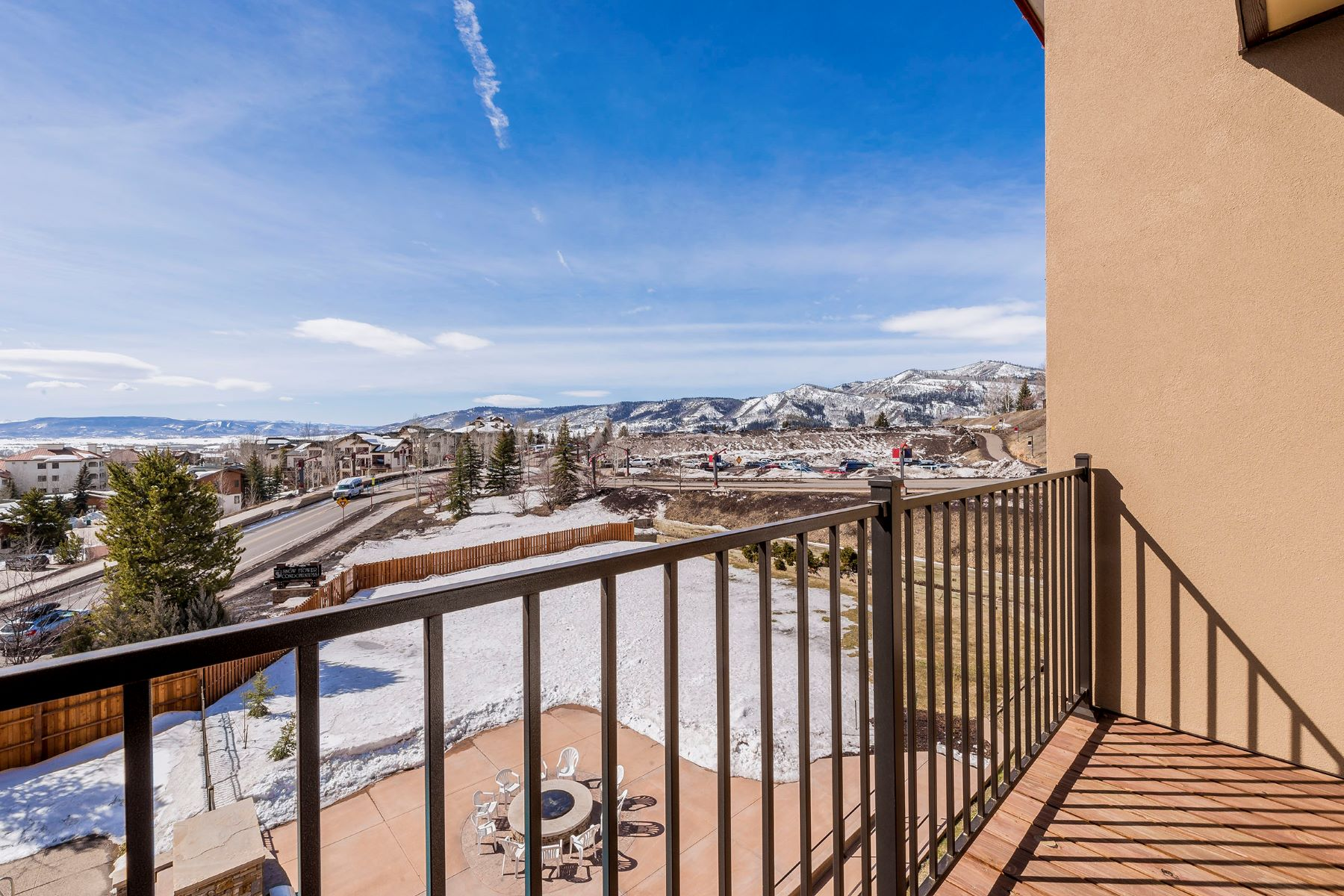 Additional photo for property listing at Just Steps to Skiing 2200 Apres Ski Way #310 Steamboat Springs, Colorado 80487 United States