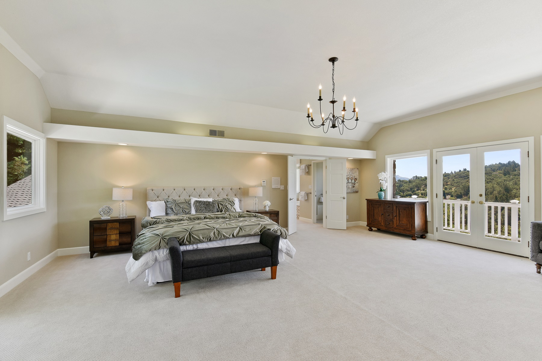 Additional photo for property listing at Elegant & Private - Stunning Happy Valley Estate 1261 Panorama Drive Lafayette, California 94549 United States