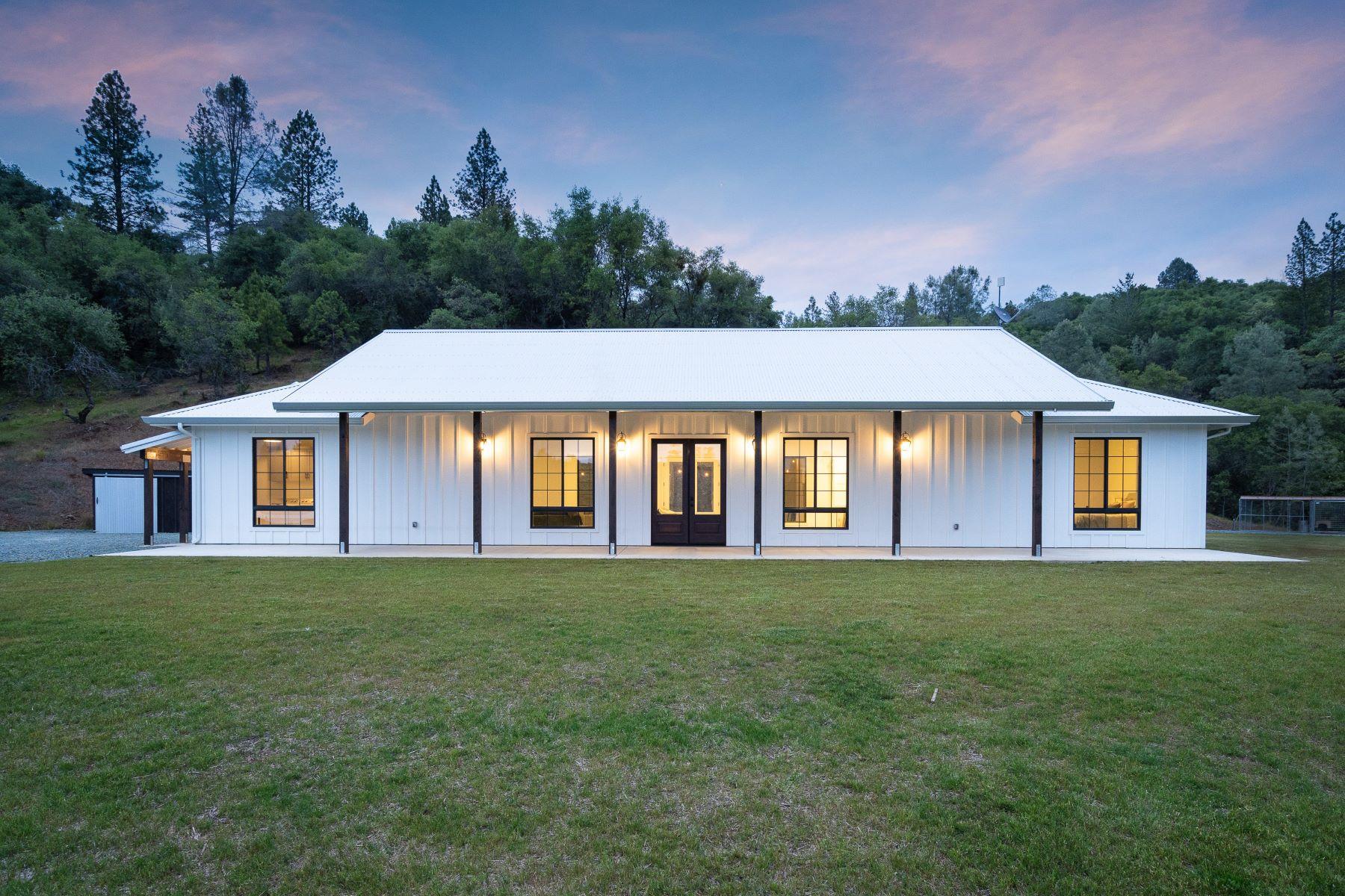 Single Family Homes por un Venta en New Custom Modern Farmhouse 13902 Shake Ridge Road Sutter Creek, California 95685 Estados Unidos